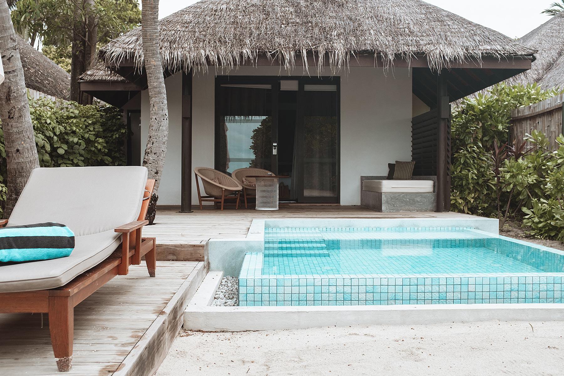 velassaru maldives beachvilla pool travel blog sunnyinga