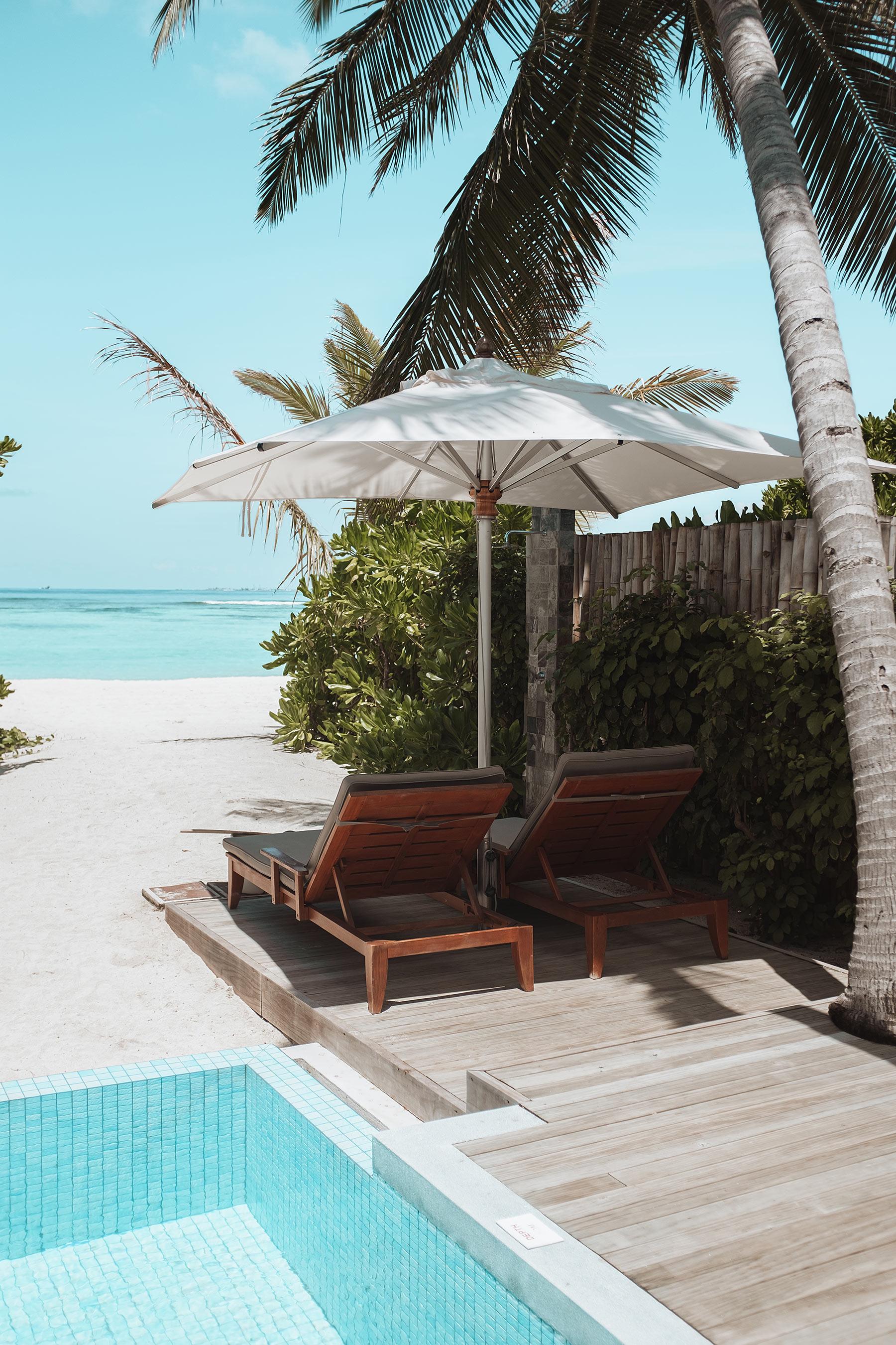 velassaru maldives terrasse travel blog sunnyinga