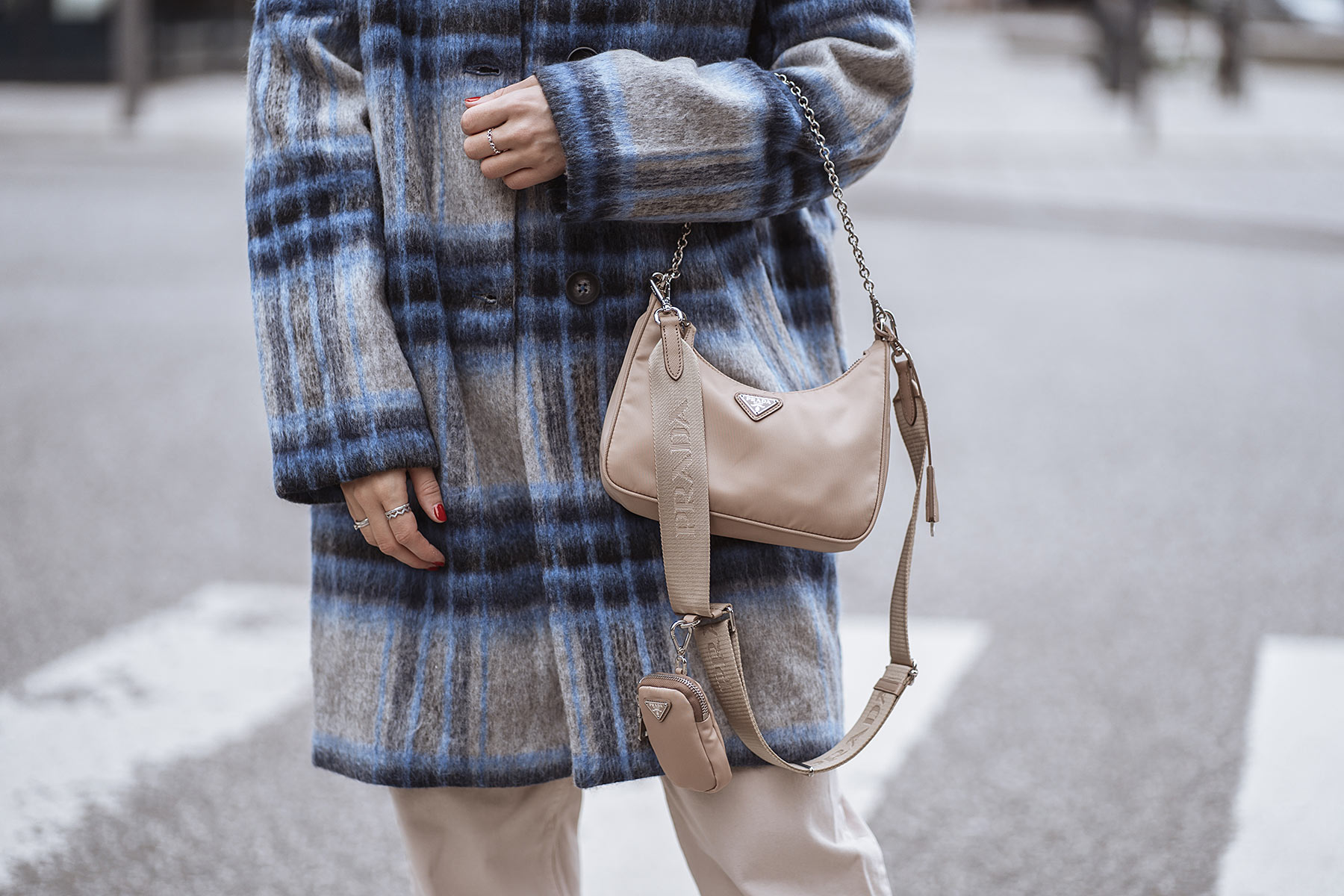 prada multi-pochette bag nylon re-edition 2005 beige fashion blogger inga brauer sunnyinga