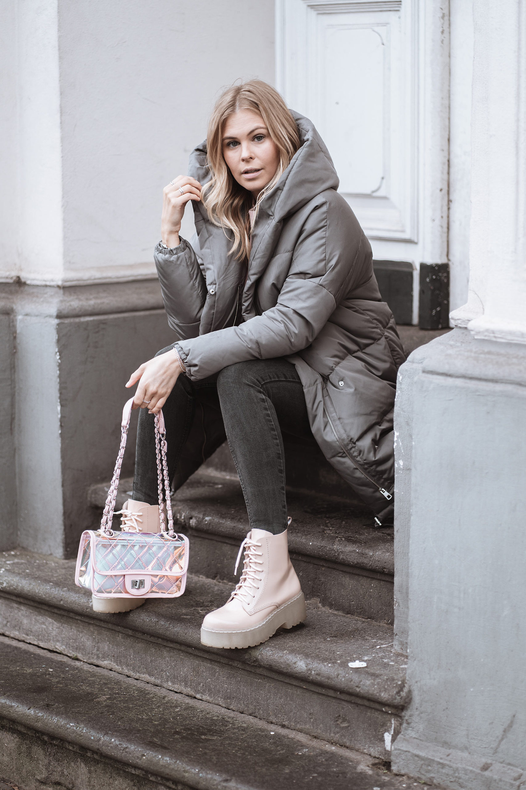 winterlook daunenmantel blogger outfit sunnyinga