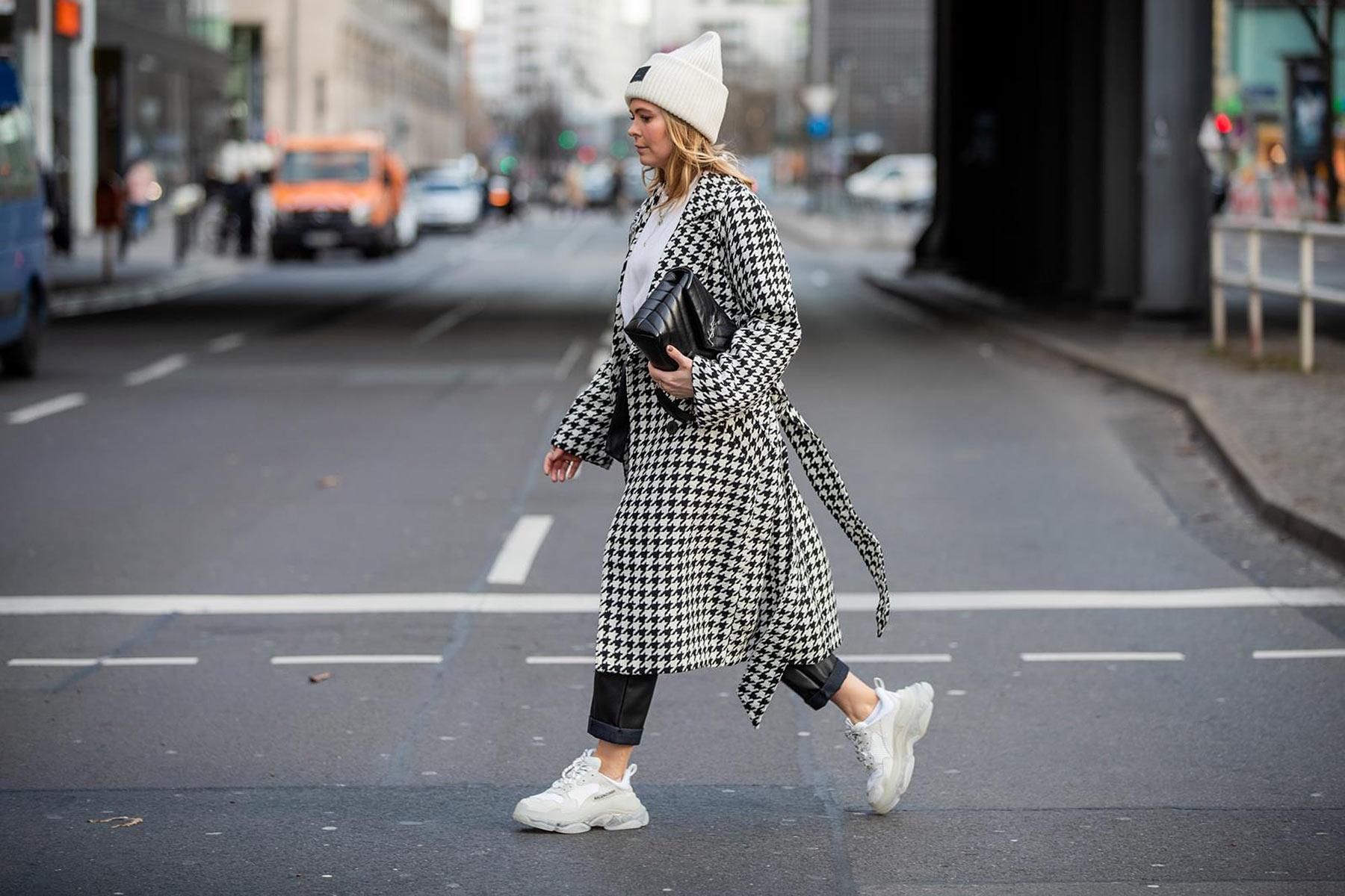 hahnentritt-muster mantel outfit street style inga brauer