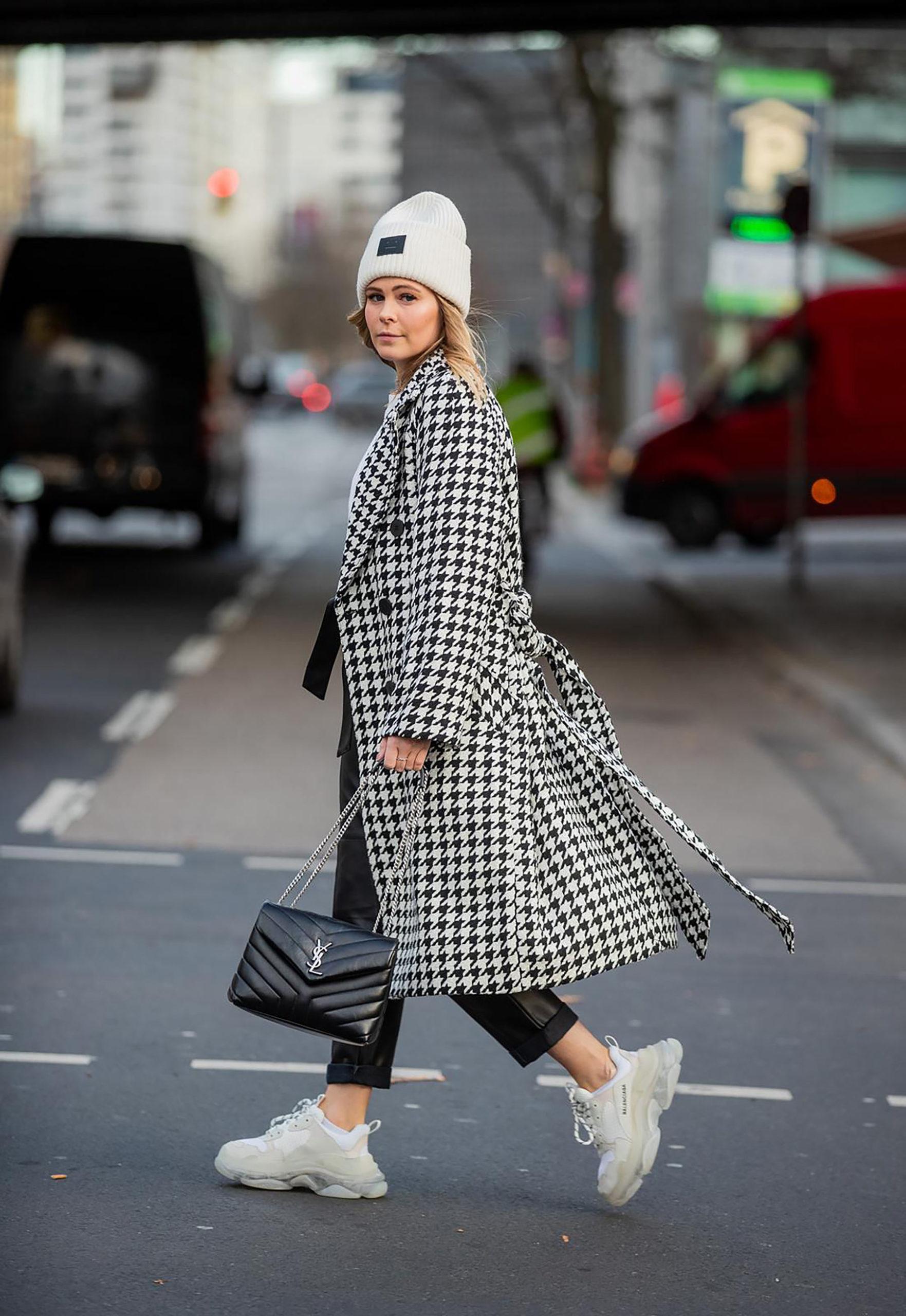 mantel mit hahnentritt-muster street style blogger