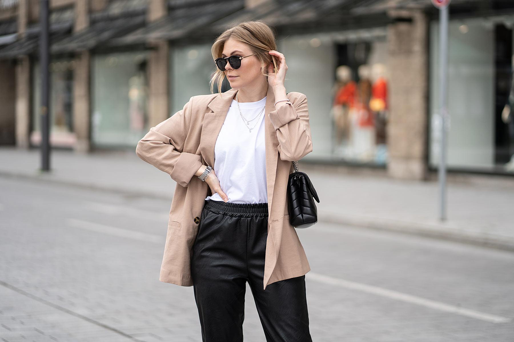 blazer beige outfit modeblog sunnyinga