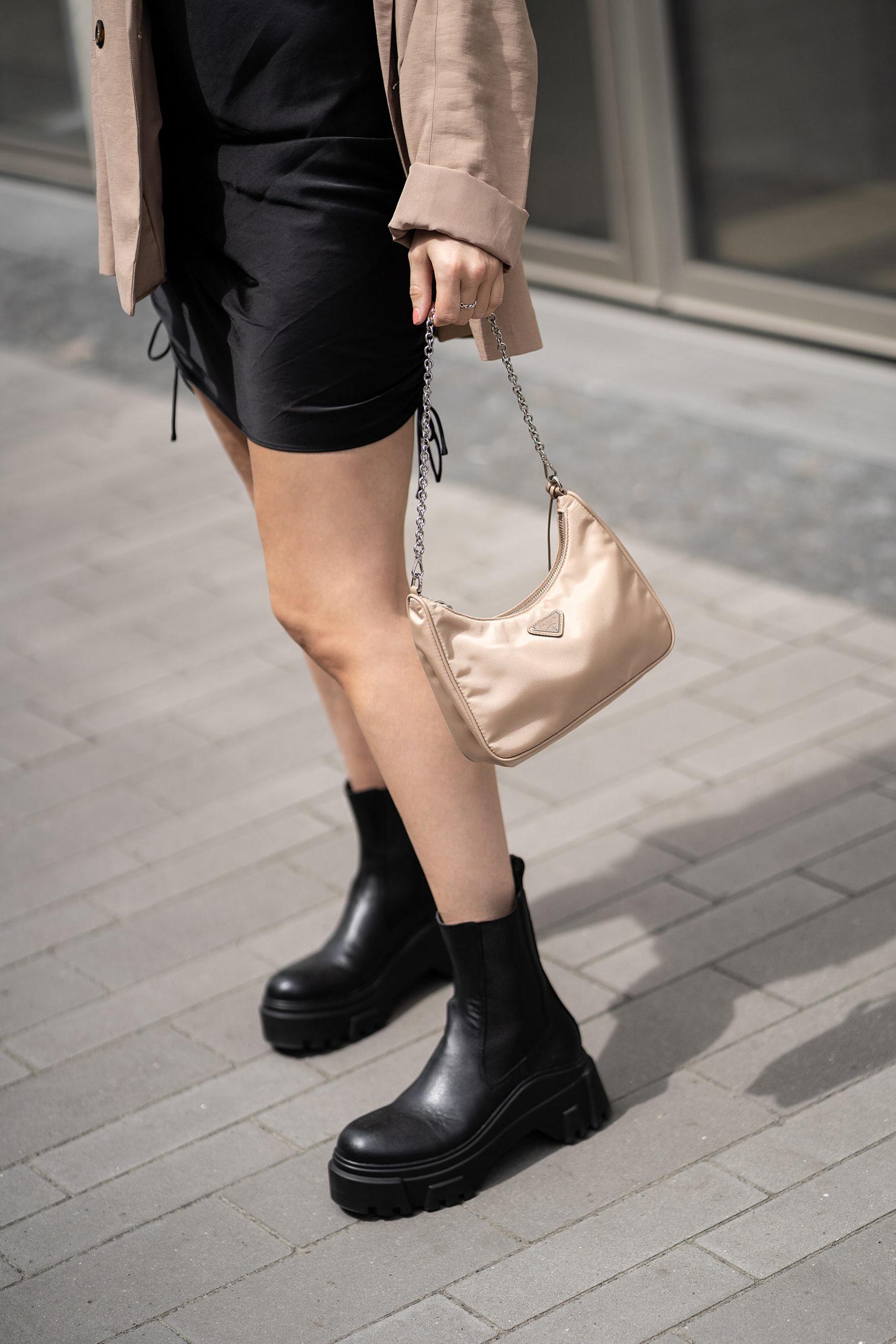 prada nylon bag beige fashion blogger sunnyinga