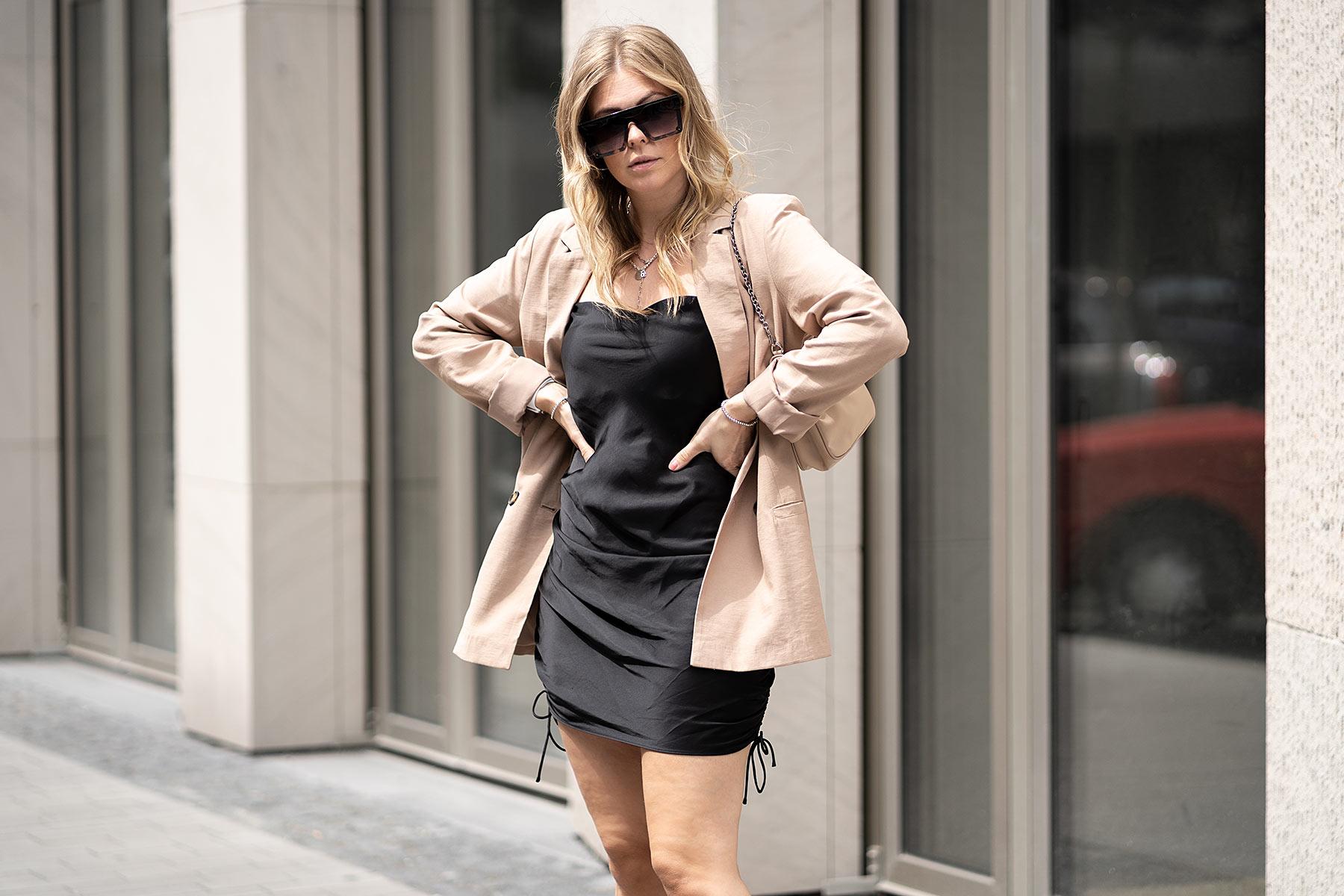 satinkleid blazer outfit modeblog sunnyinga