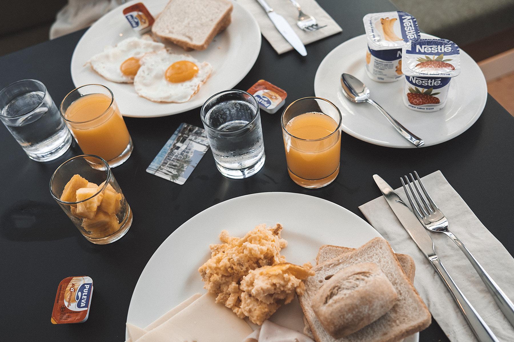 frühstück ayron park hotel travel blog sunnyinga