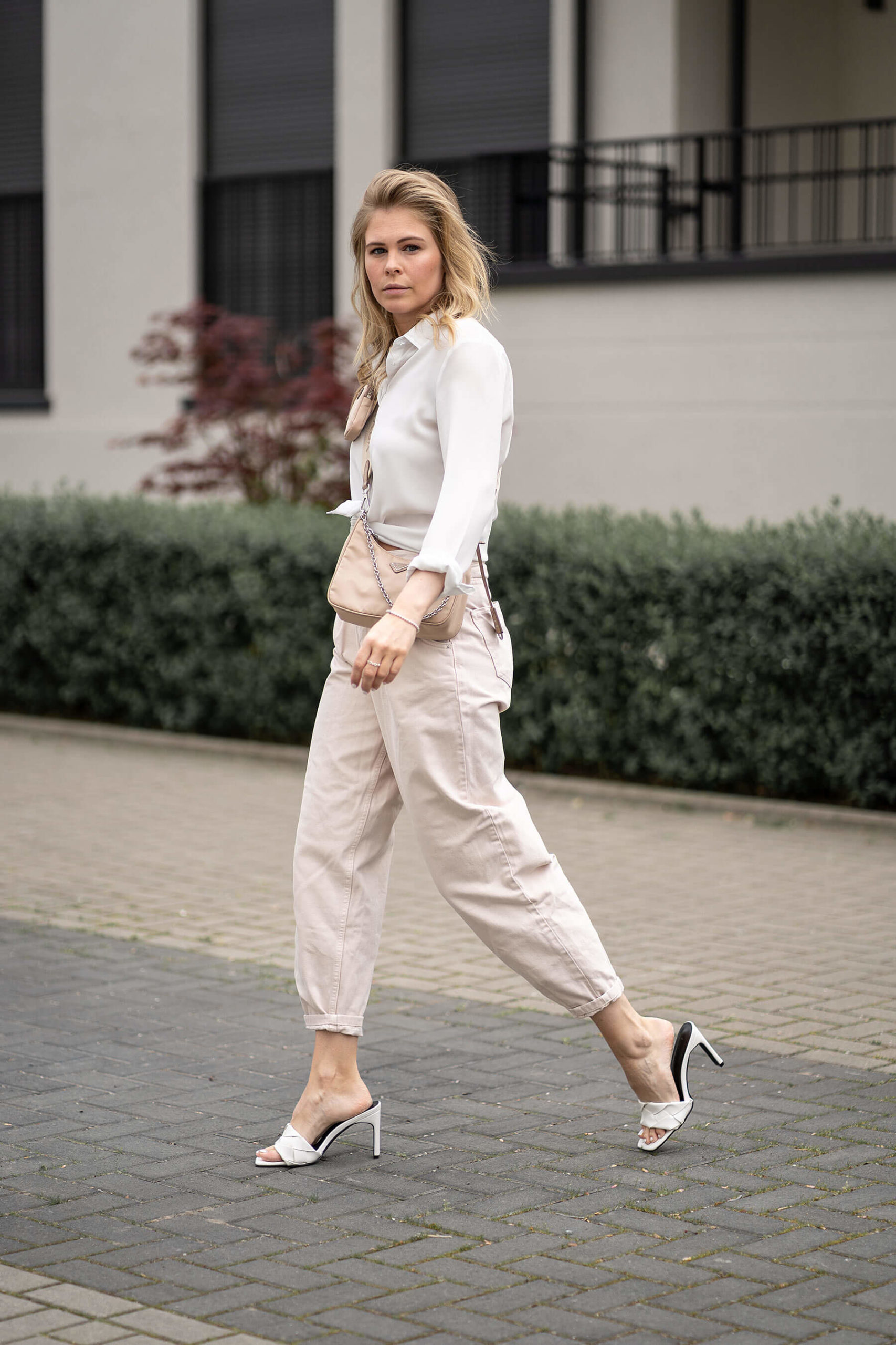 inga brauer fashion blogger düsseldorf mules outfit beige