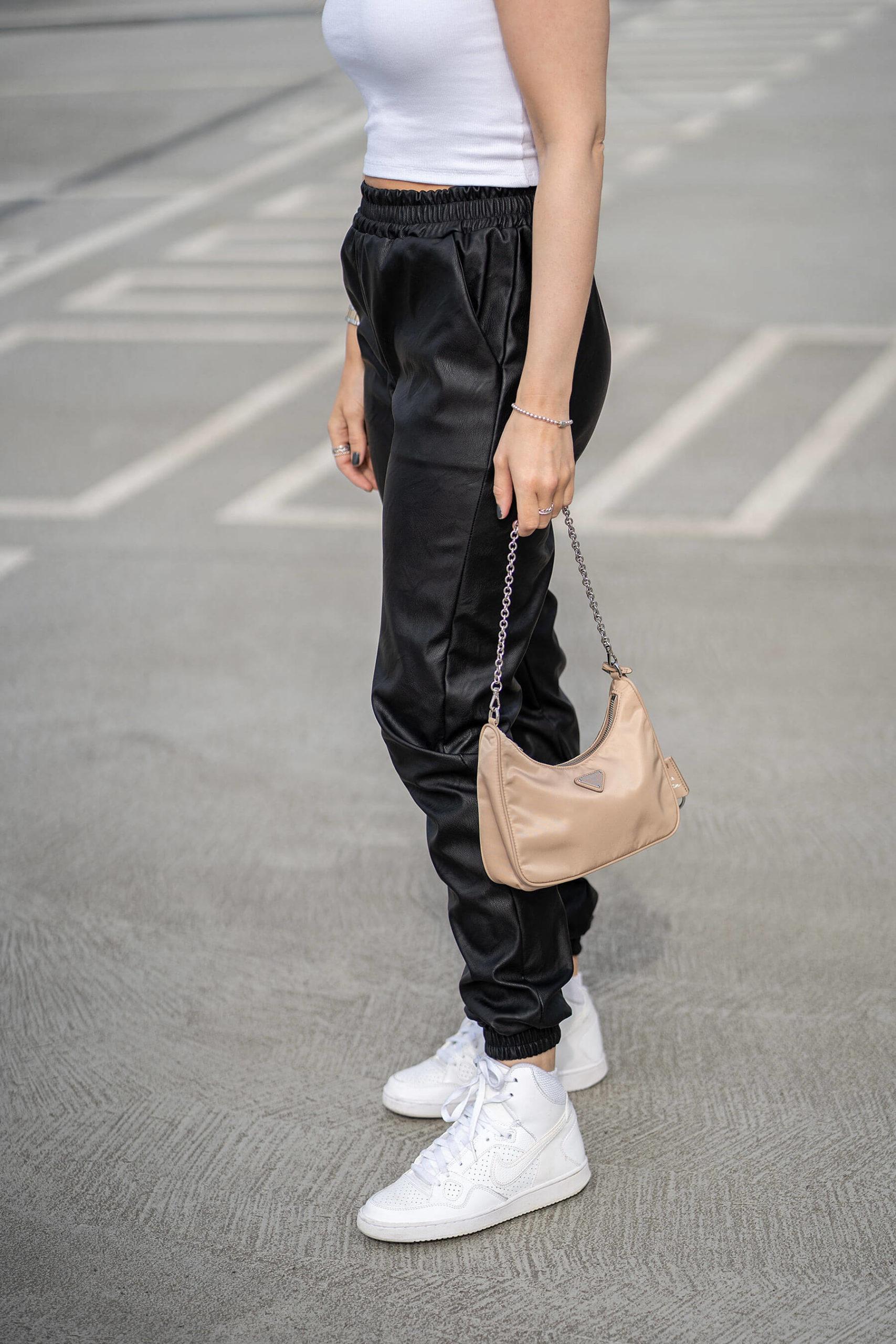 schwarz weiss outfit fashion blogger nike inga brauer