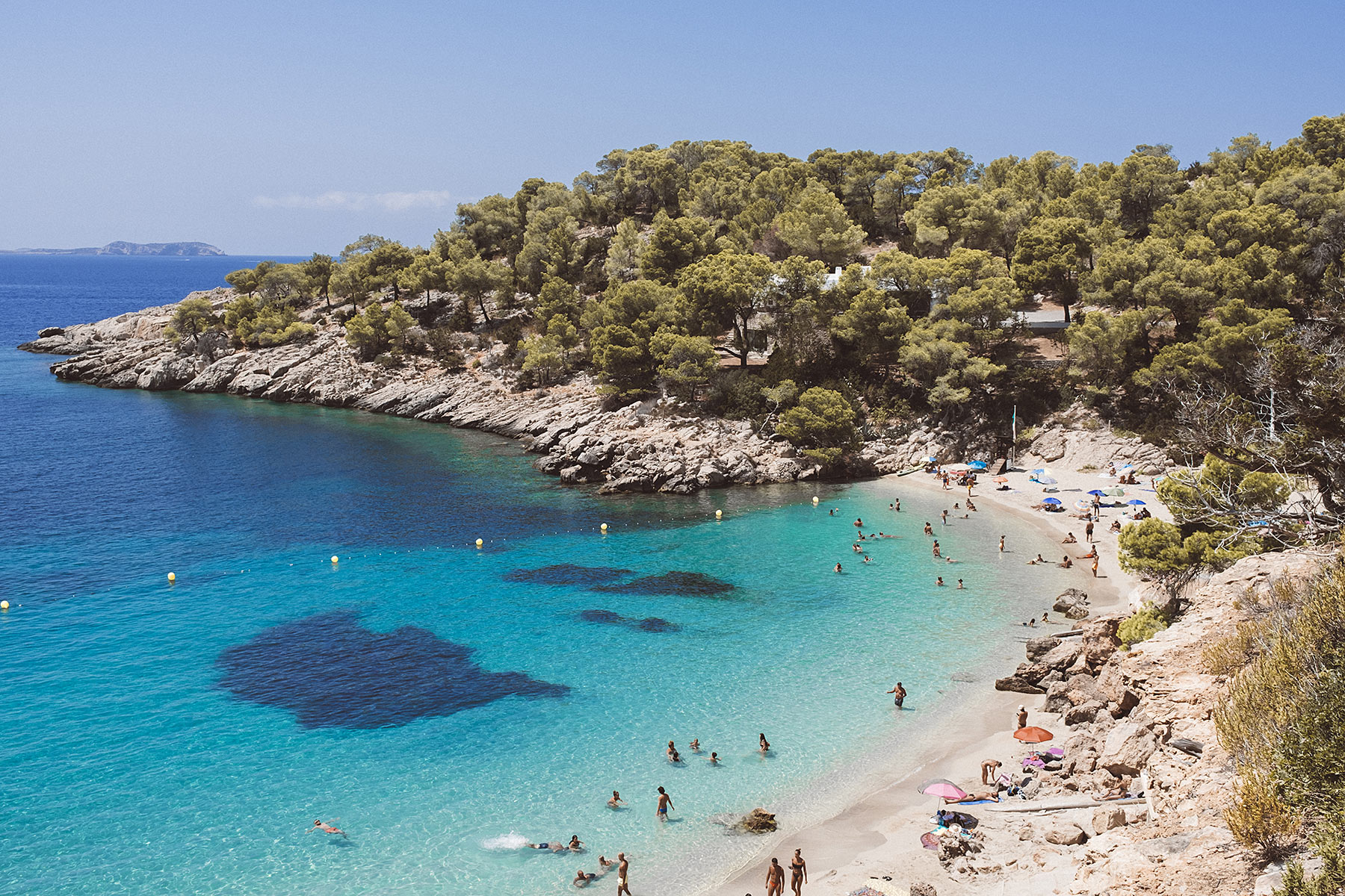cala salada ibiza bucht travel blog sunnyinga