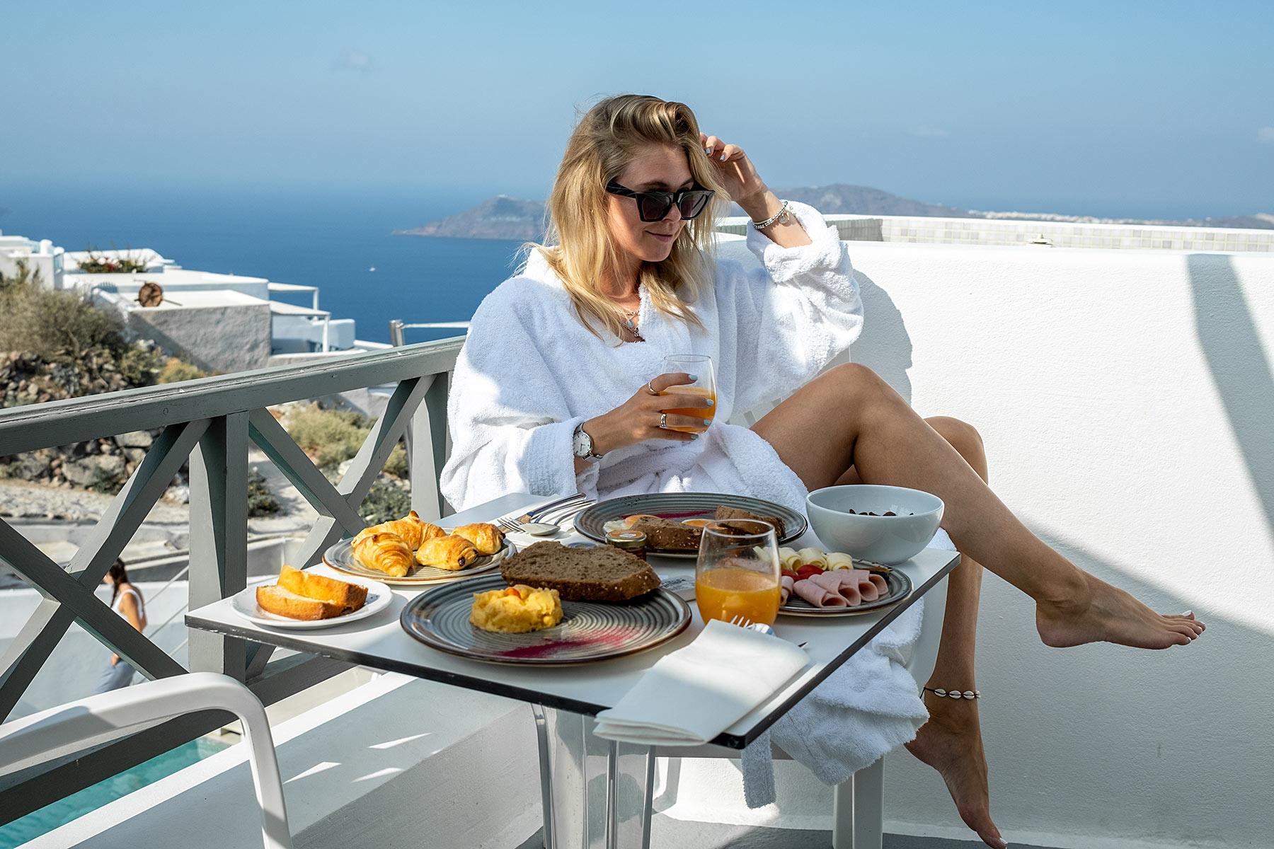 santorini hotel kasimatis by la perla travel blog sunnyinga