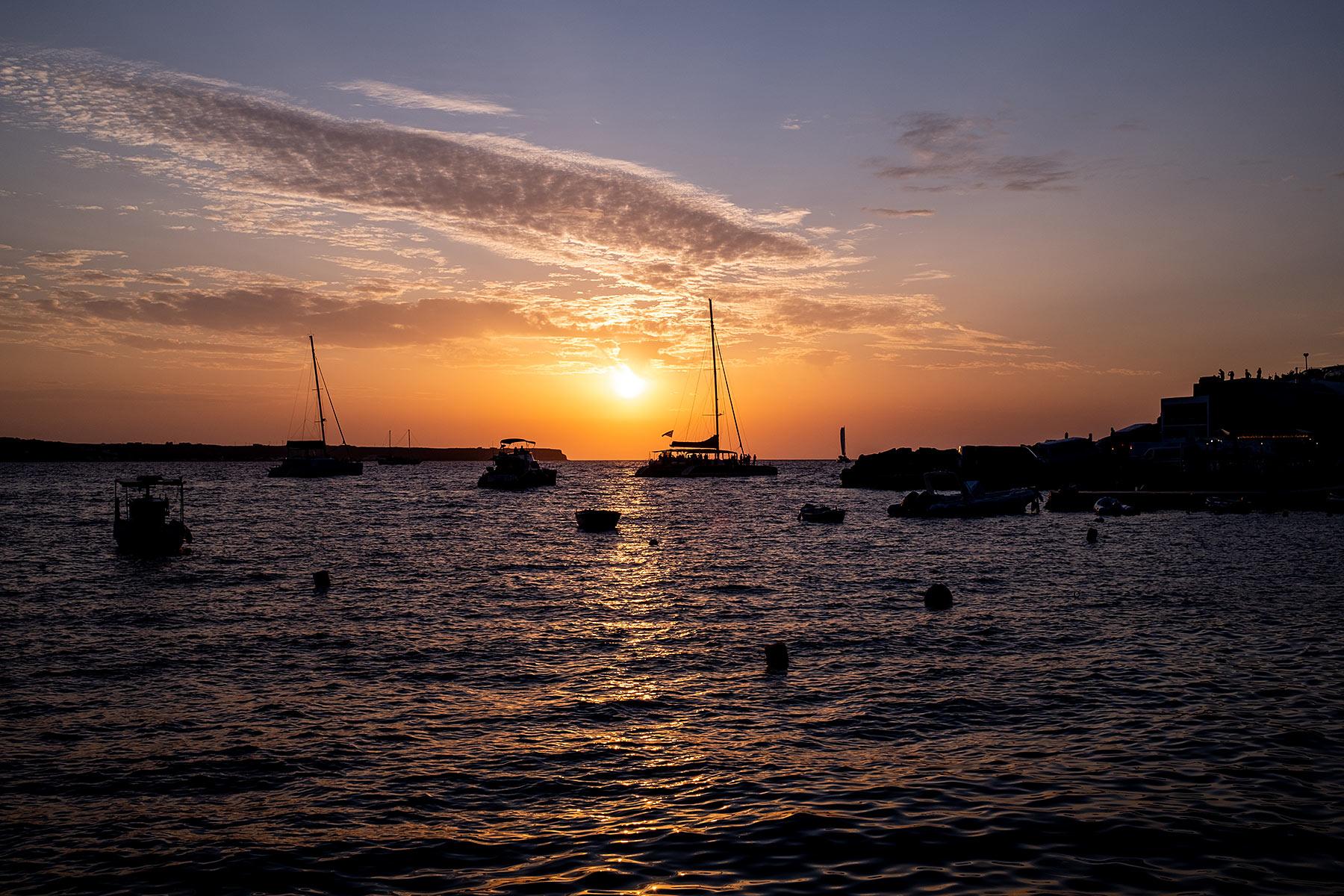 urlaub auf santorini sonnenuntergang oia travel blog sunnyinga