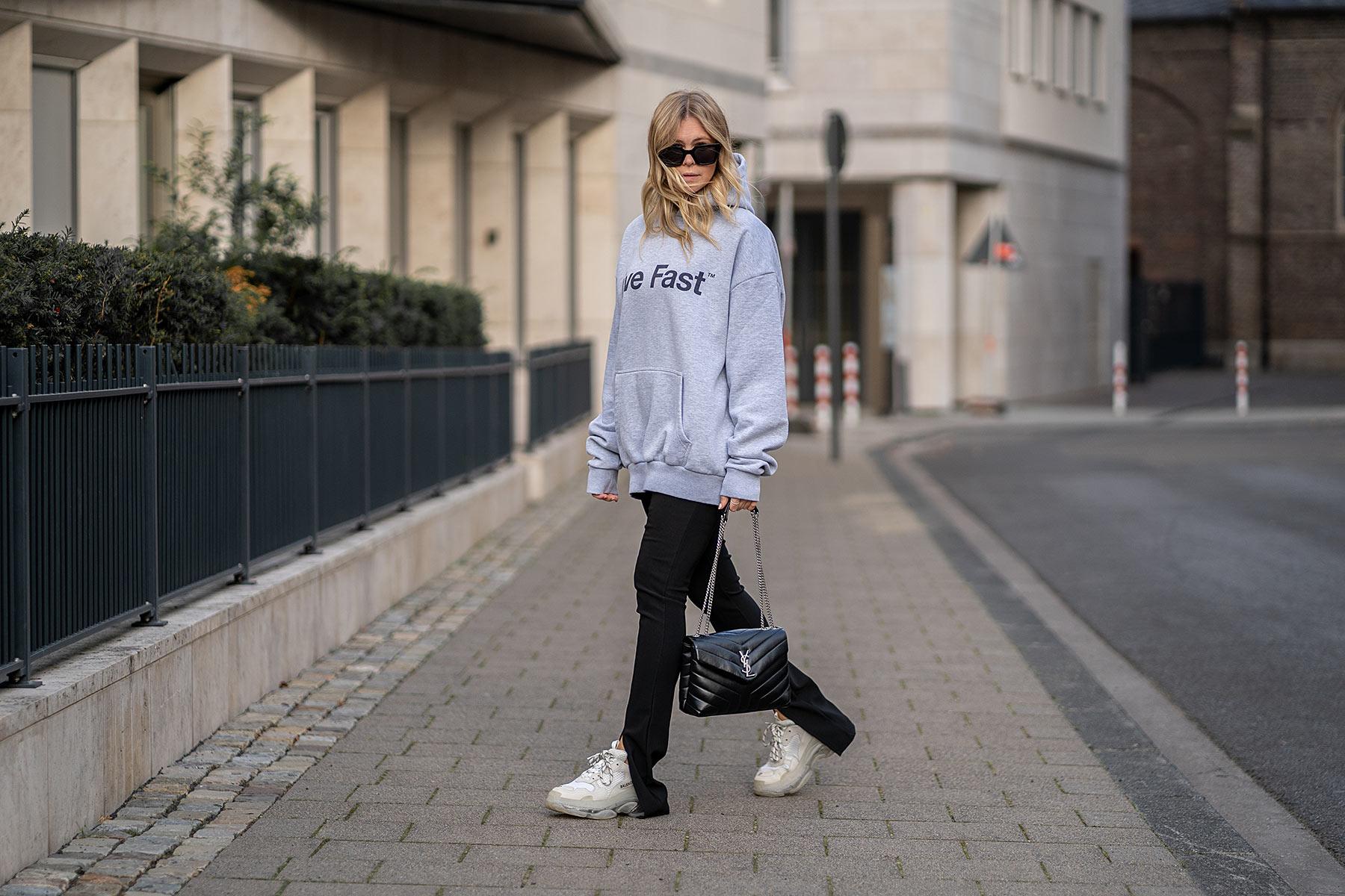 hose mit schlitz schwarz outfit fashion blogger inga brauer düsseldorf sunnyinga