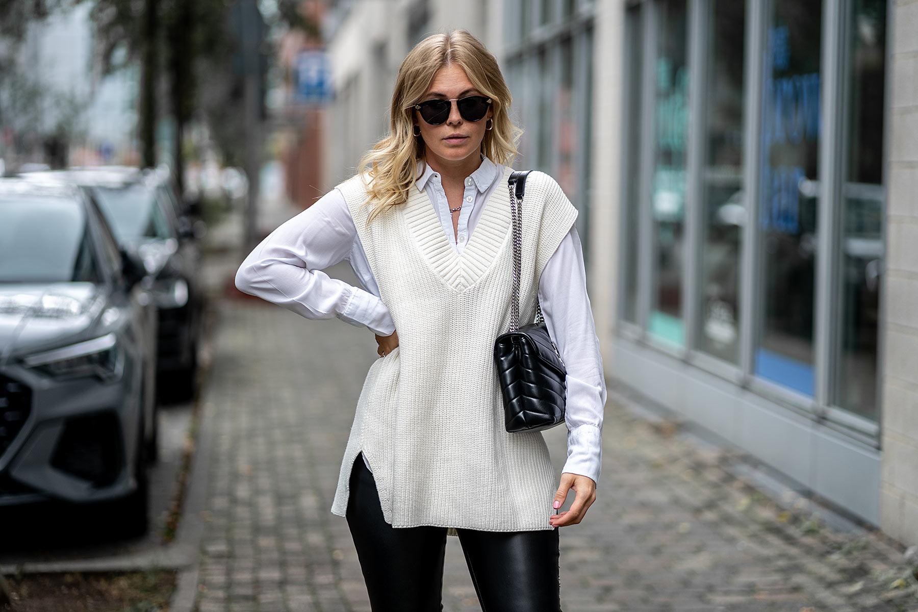 strickweste weiß outfit bluse lederleggings fashion blogger sunnyinga
