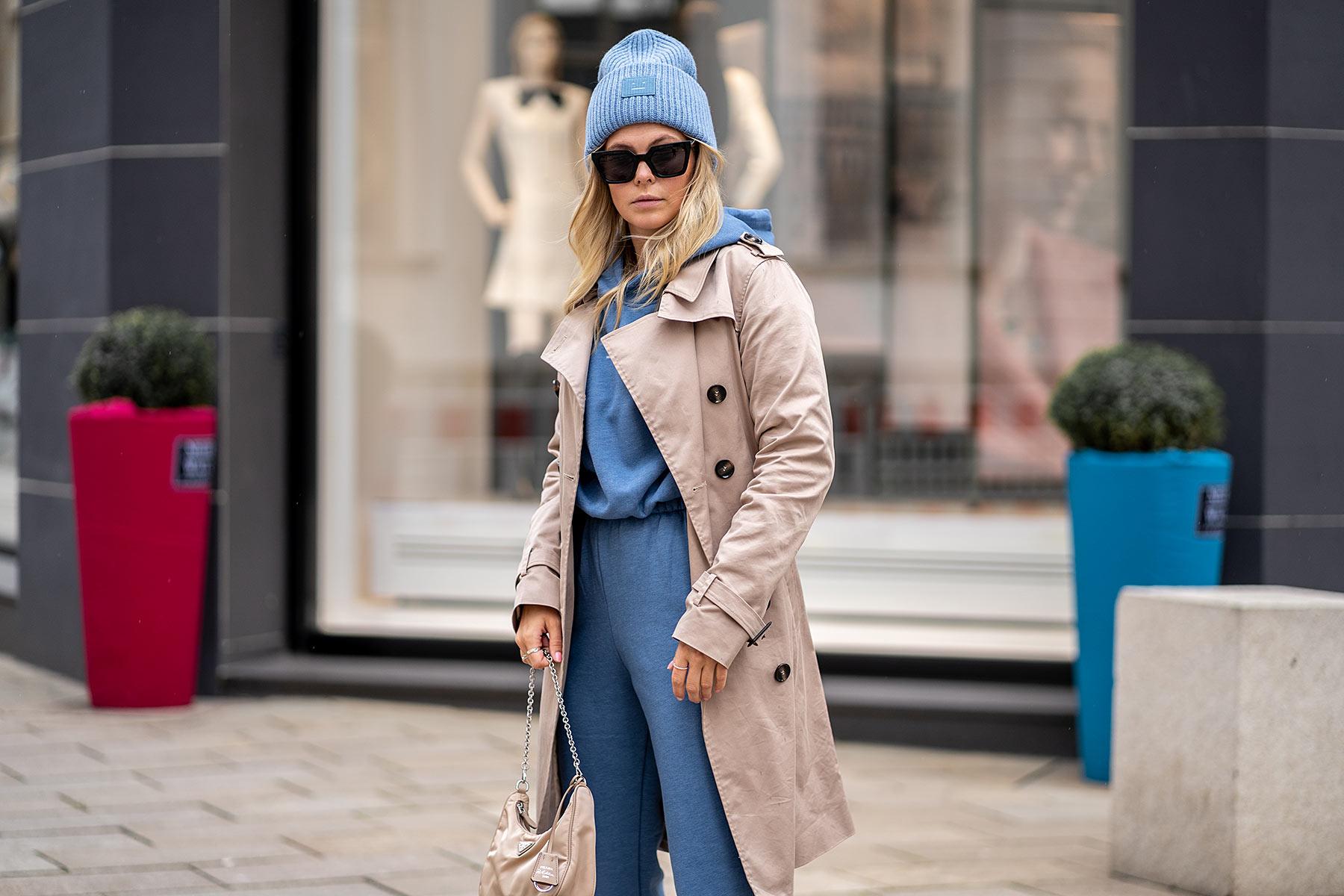 jogginganzug outfit trenchcoat alltagstauglich fashion blogger inga brauer