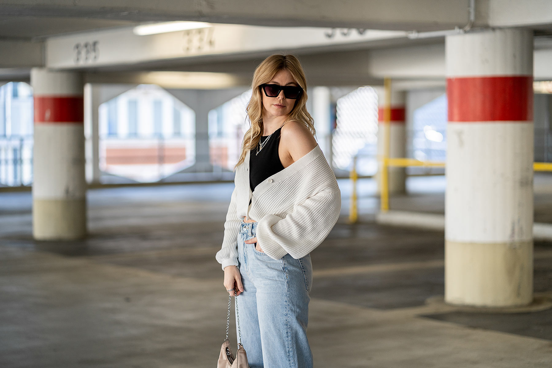 strickjacke kombinieren jeans outfit sunnyinga fashion blog