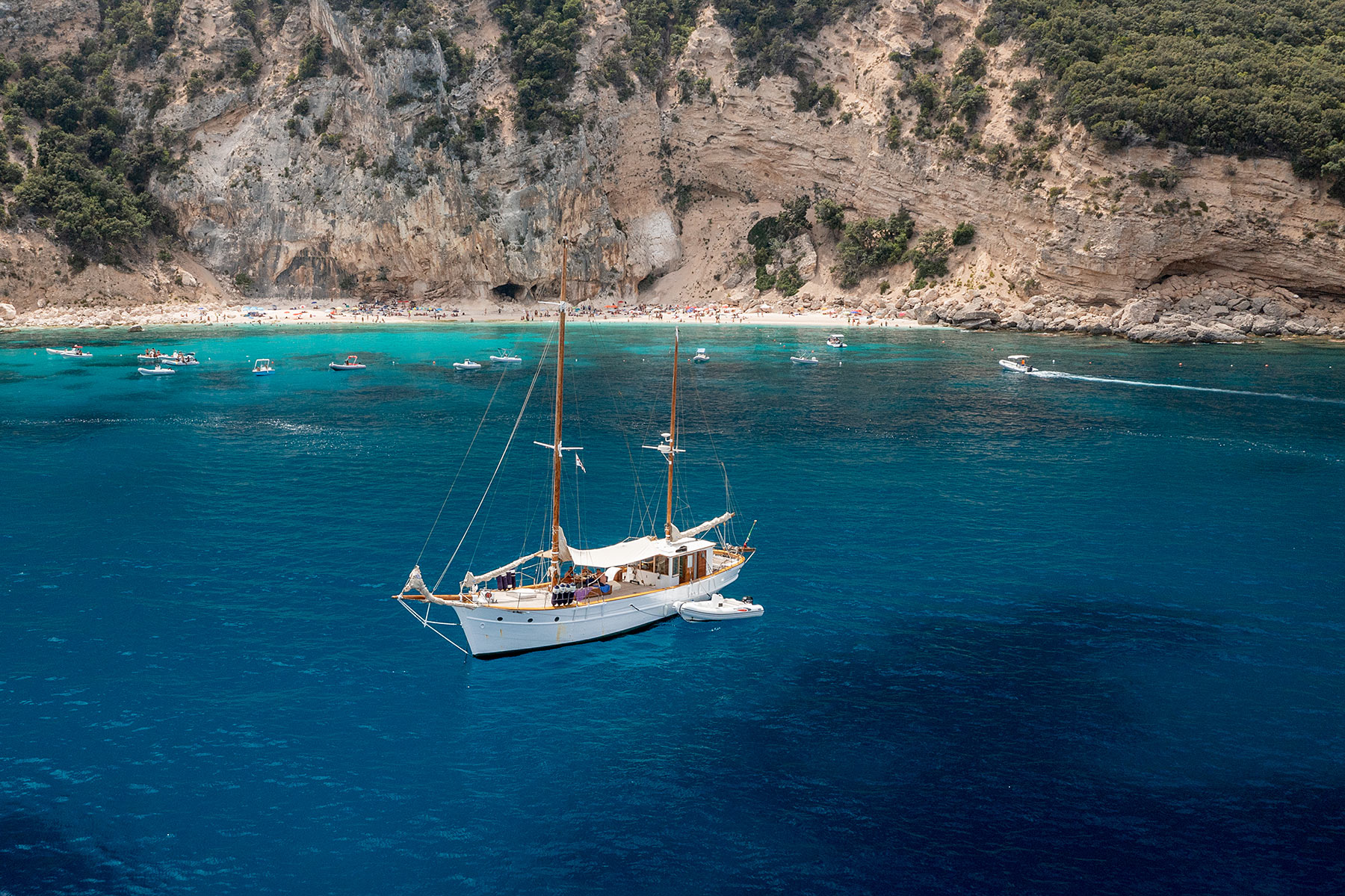 sardinien dovesesto segelboot ausflug golfo di orosei travel blog
