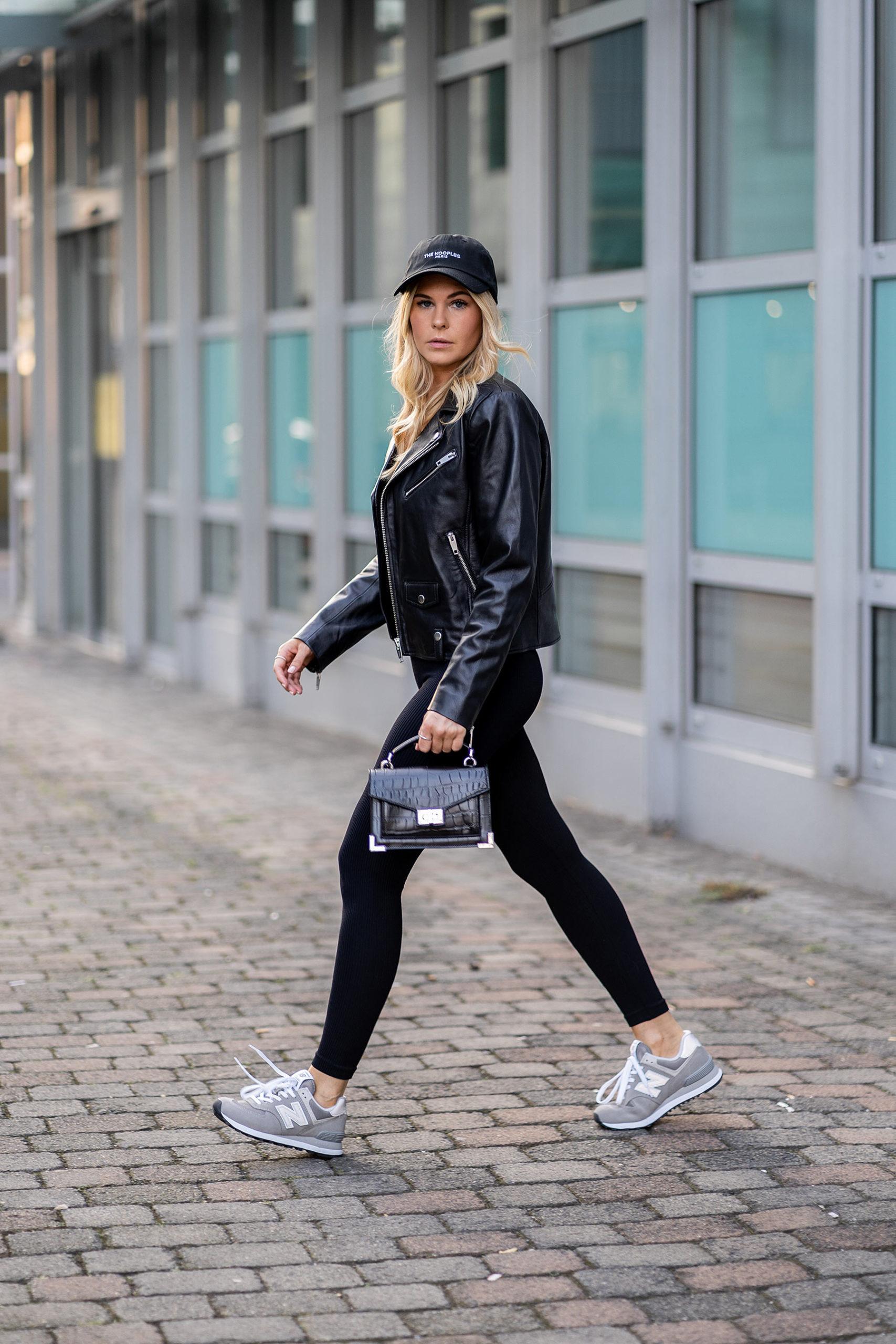 fashion blogger düsseldorf inga brauer all black streetstyle outfit