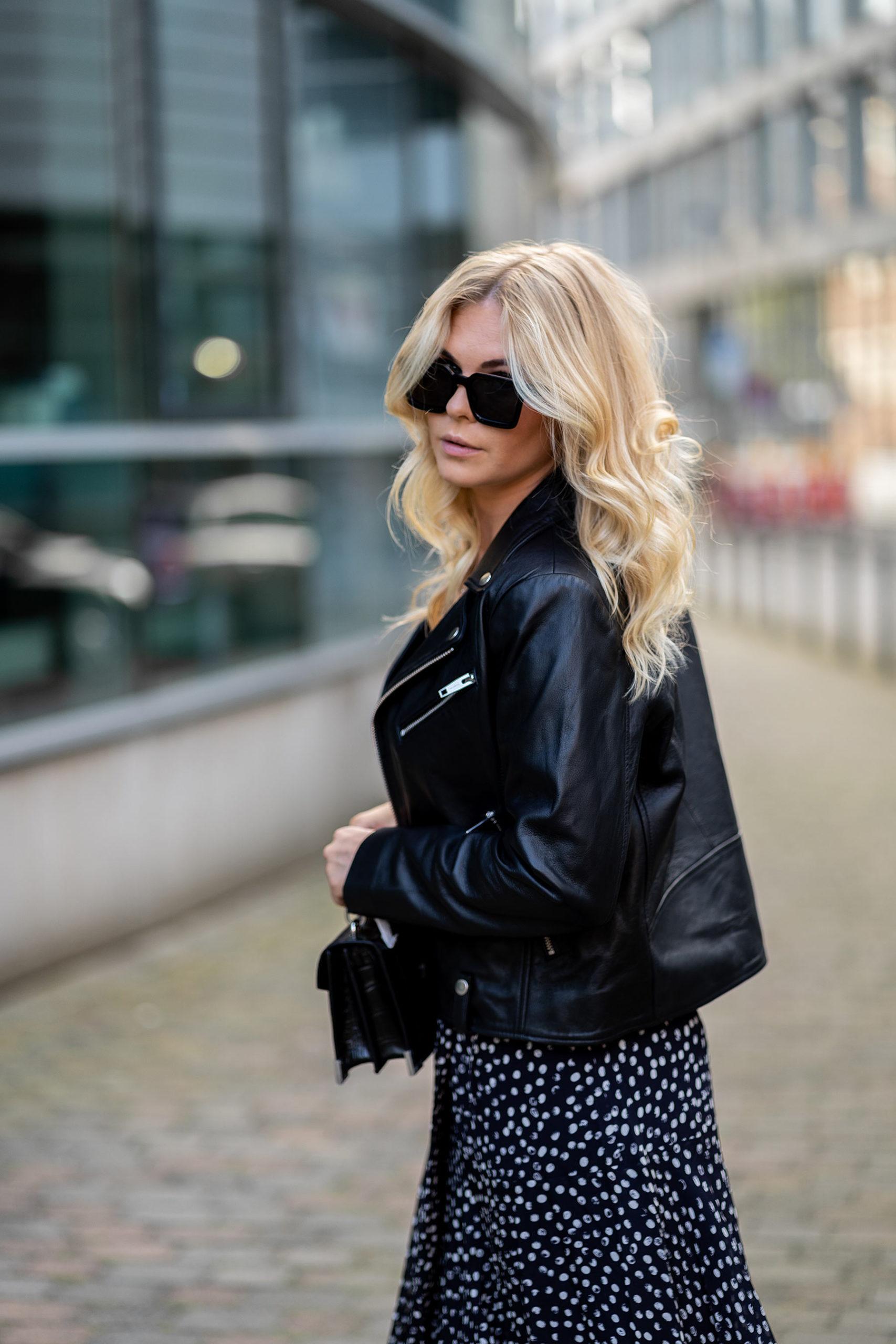 inga brauer fashion blogger all black outfit düsseldorf