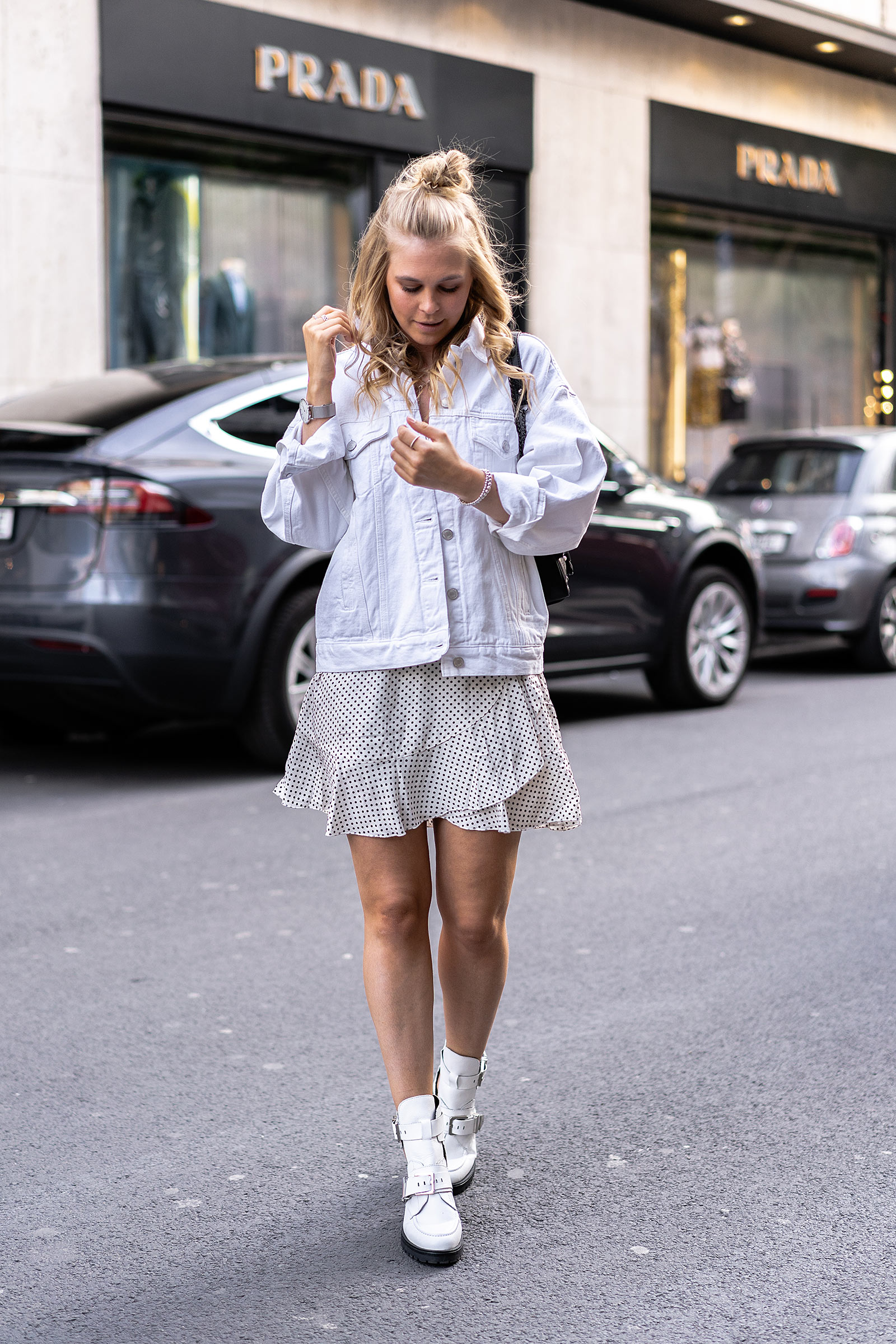 all white outfit jeansjacke streetstyle sommeroutfit fashion blog sunnyinga