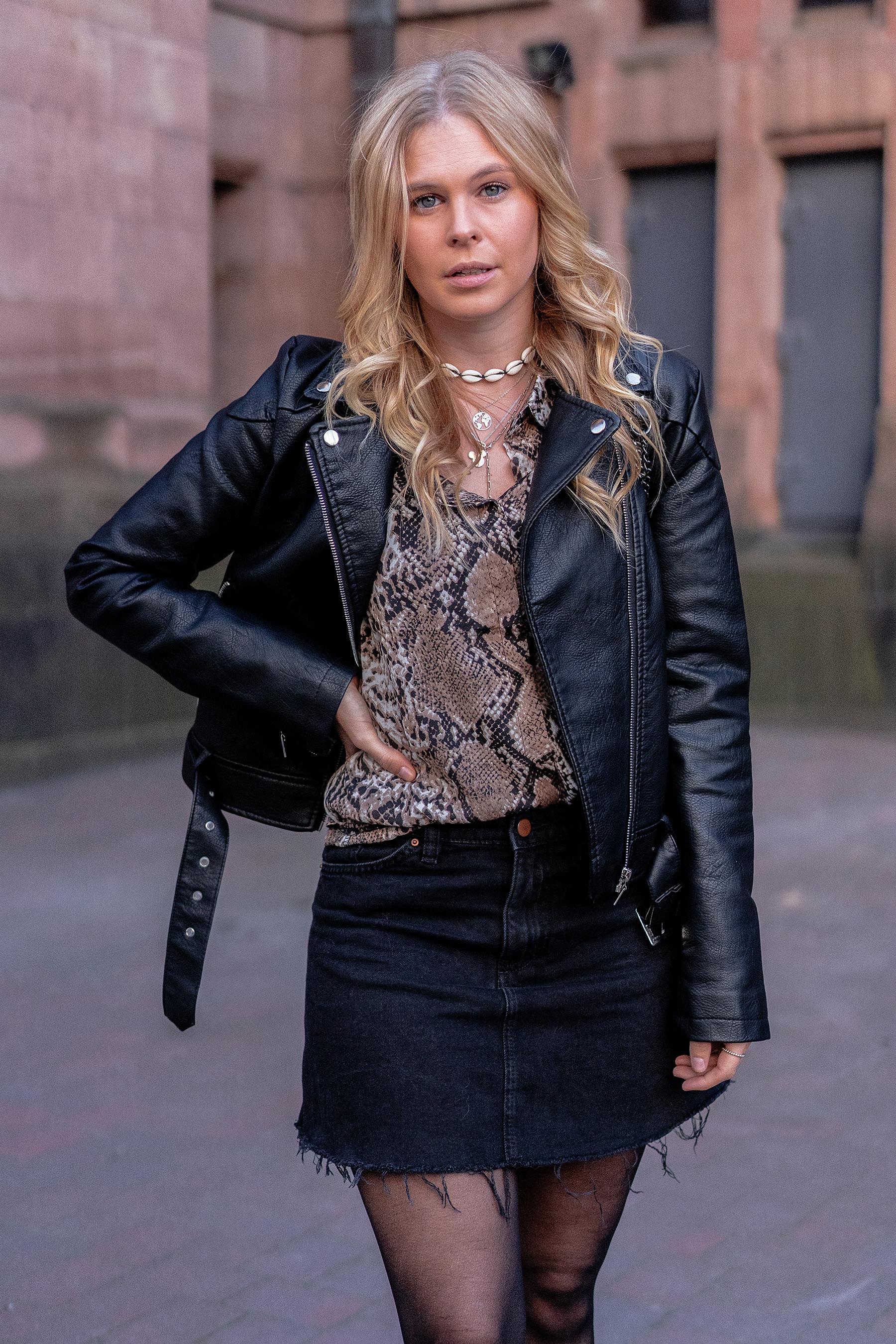animal snake print bluse outfit mode blog sunnyinga
