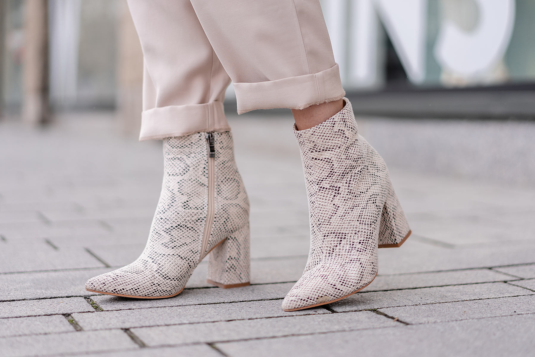 asos snake boots public desire fashion blogger sunnyinga