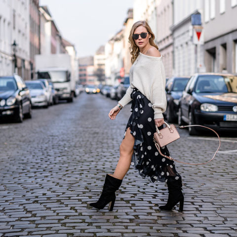 Asymmetrischer Rock Outfit Trend ootd Slouch Boots Streetstyle Fashion Blogger Sunnyinga