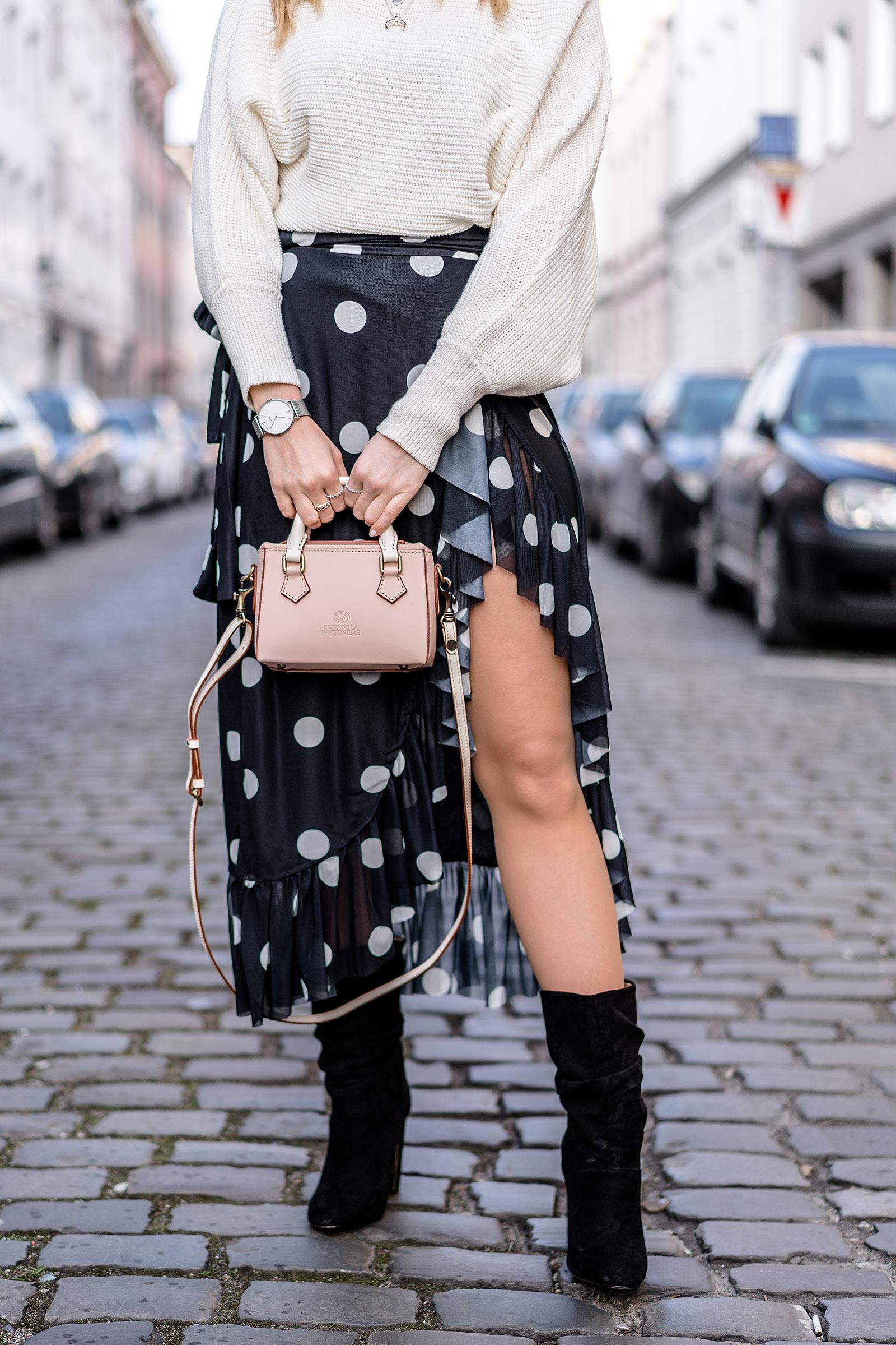 Asymmetrischer Rock Punkte nakd Outfit minibag sunnyinga