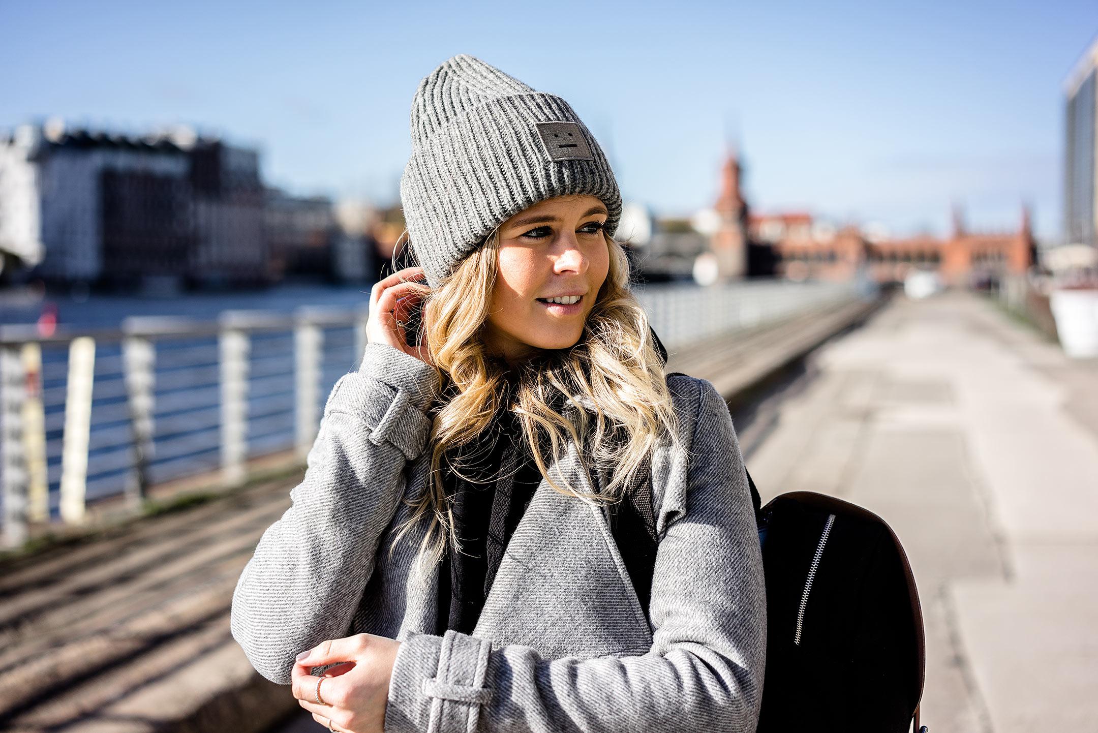 Bloggerin Berlin Fashion Streetstyle Sunnyinga Acne Studios Mütze