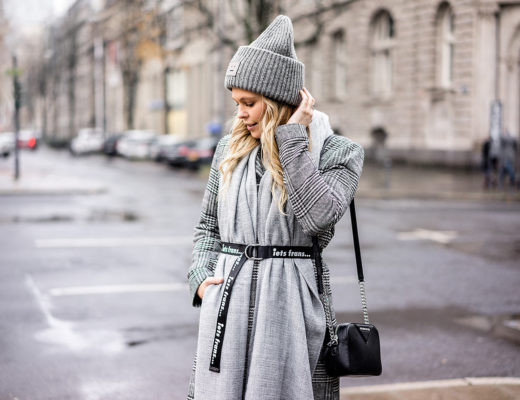 Coole Winter-Accessoires grau schwarz Fashion Blogger Sunnyinga