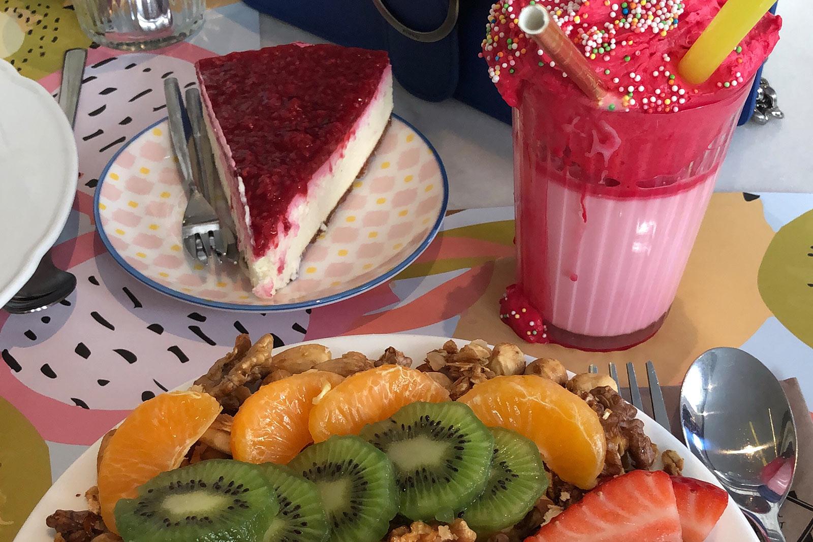 corner bakery amsterdam mango bowl cheesecake food guide blog sunnyinga