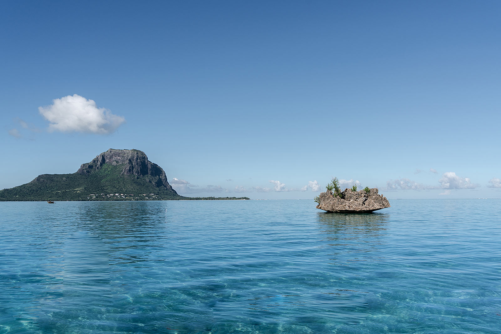 crystal rock mauritius le morne bootstour vitamin sea travel blog sunnyinga