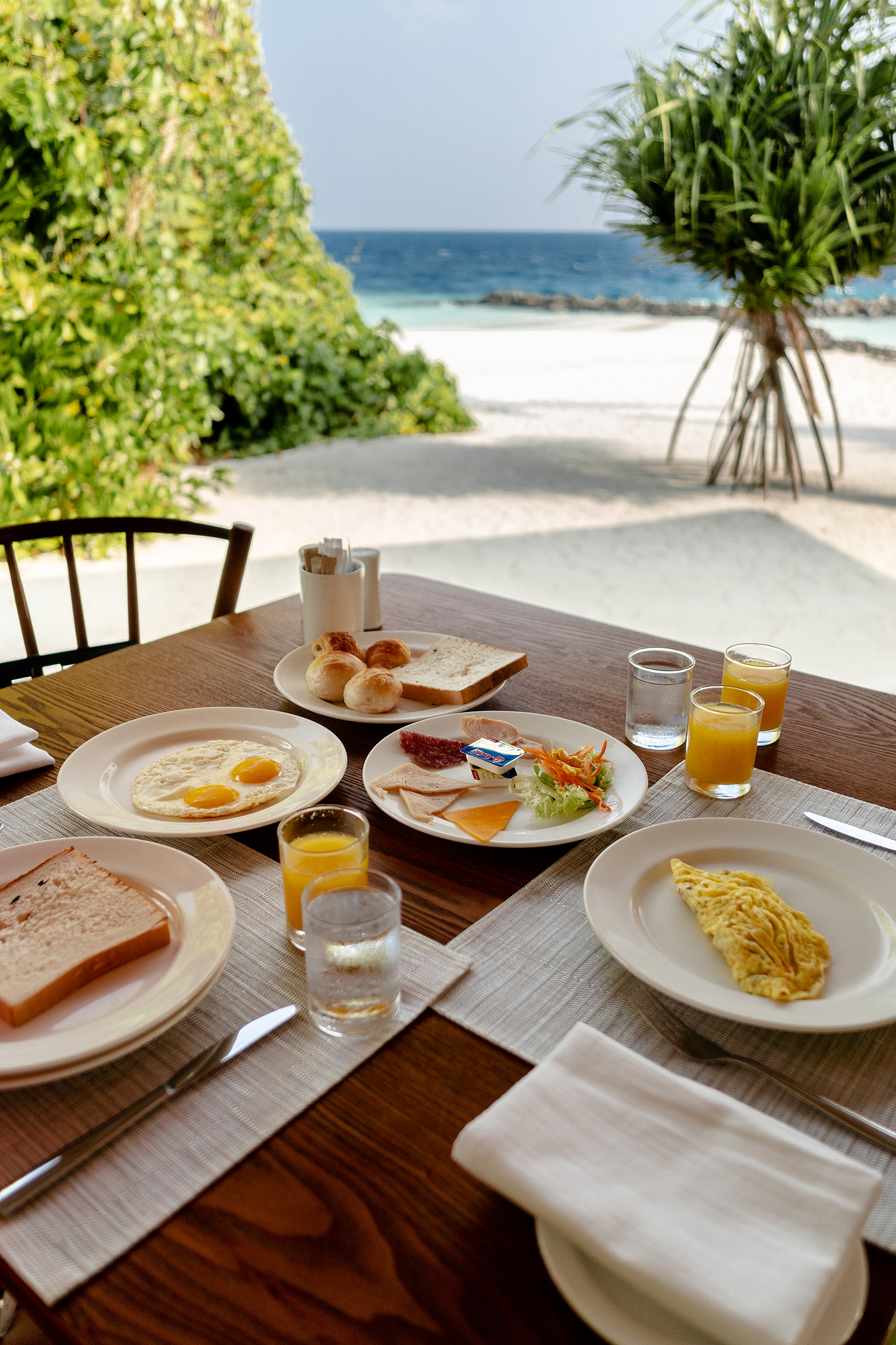 dhigali frühstück capers restaurant travel blog sunnyinga