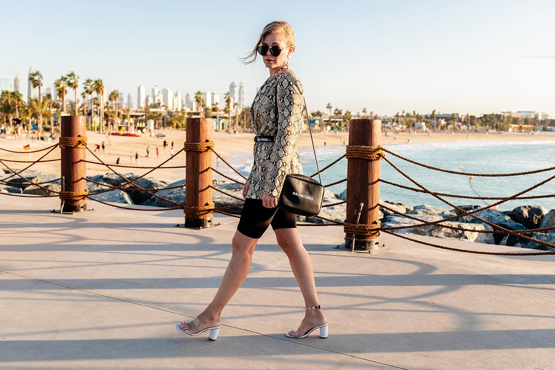 fashion blogger dubai outfit radlerhose sunnyinga