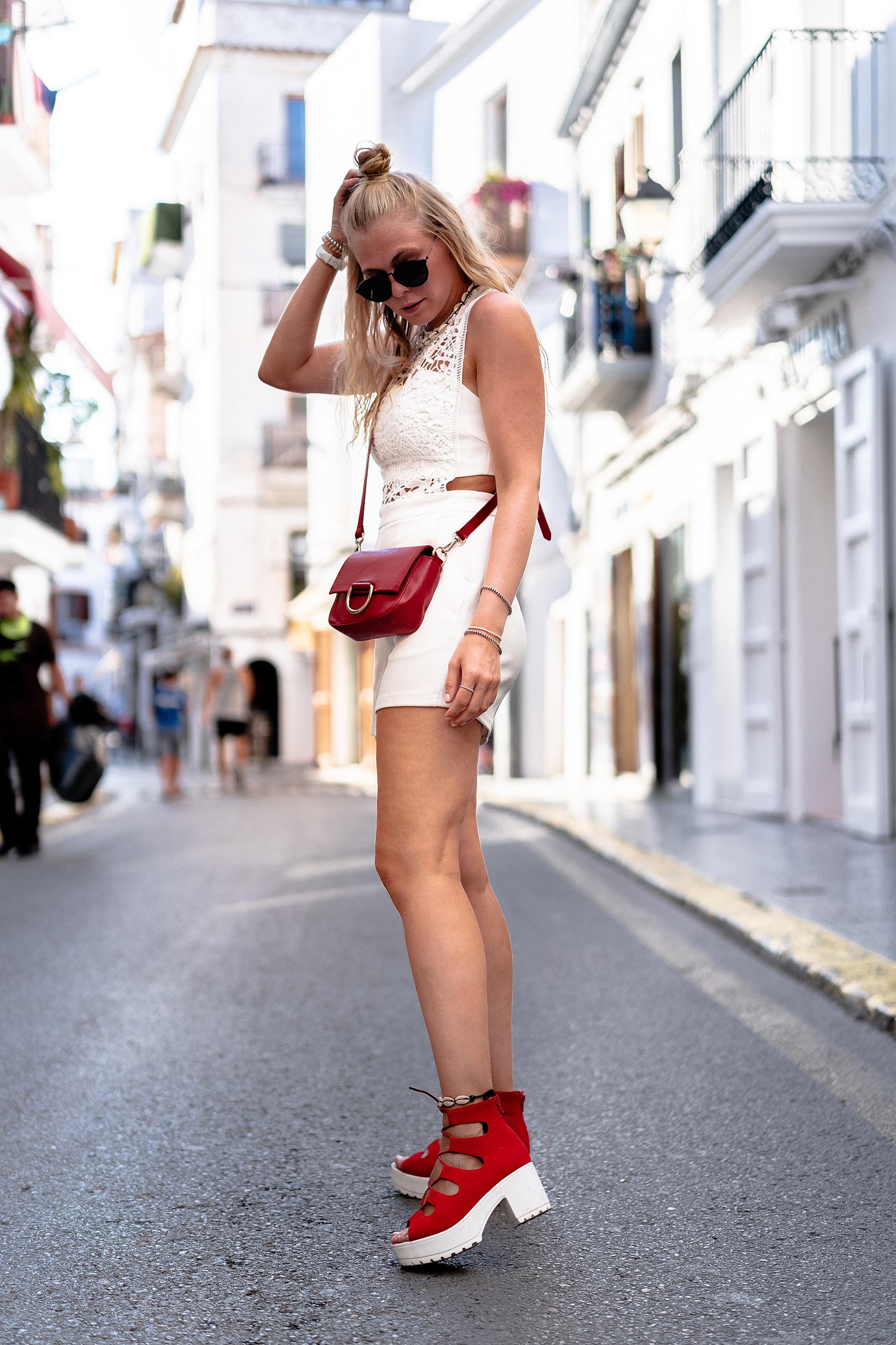 fashion blogger ibiza outfit streetstyle jumpsuit sunnyinga