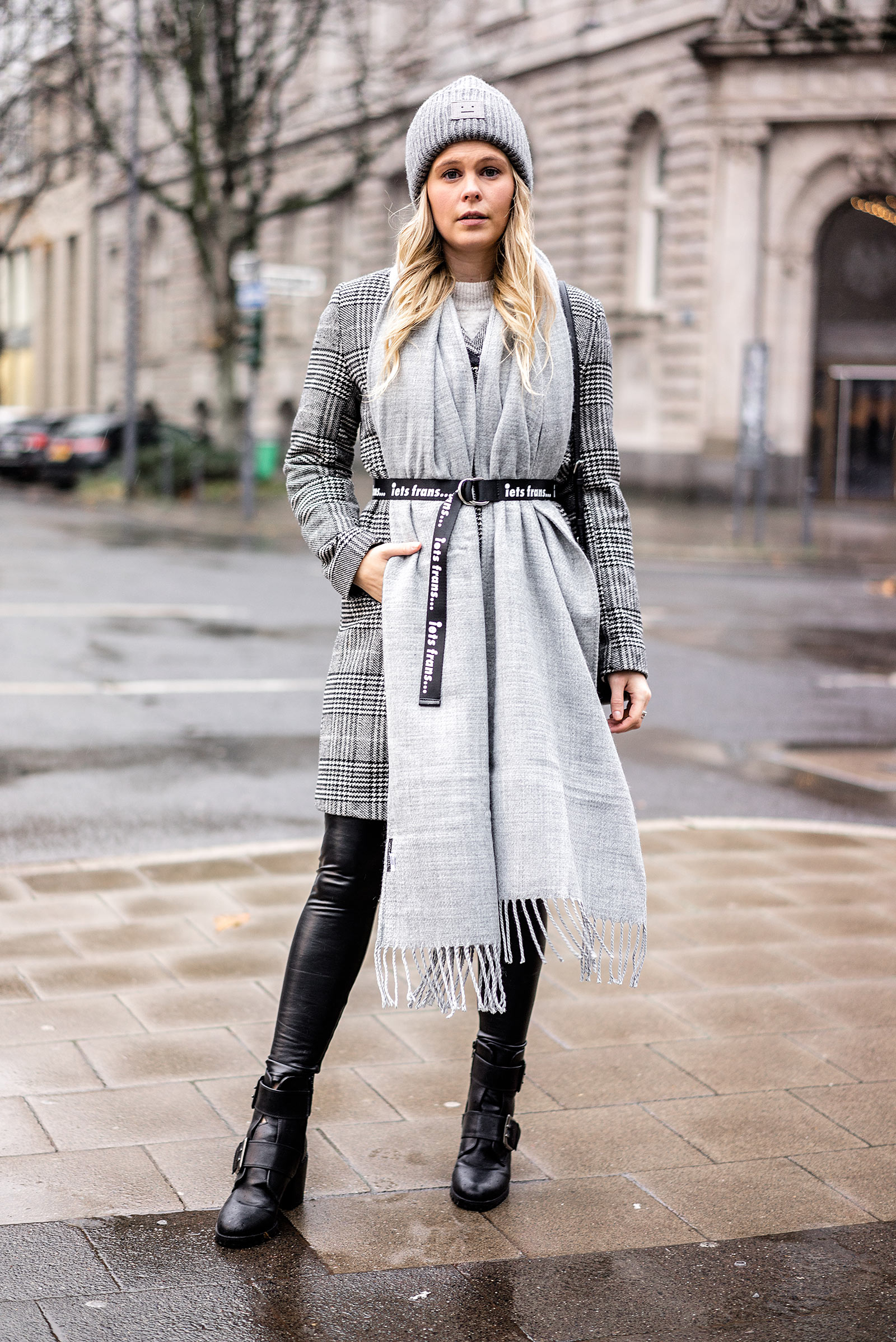 Fashion Blogger Outfit coole Winter-Accessoires Streetstyle