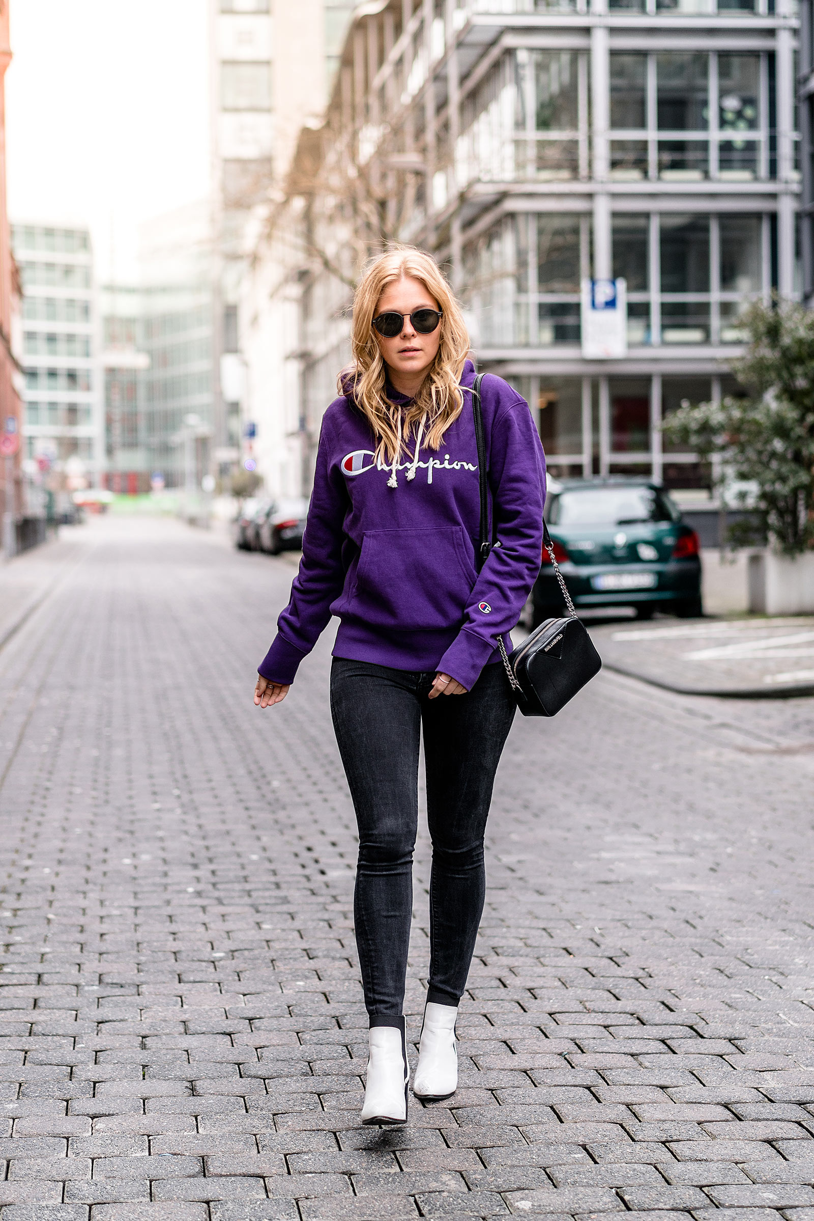 fashion blogger streetstyle ultra violet logomania trends sunnyinga