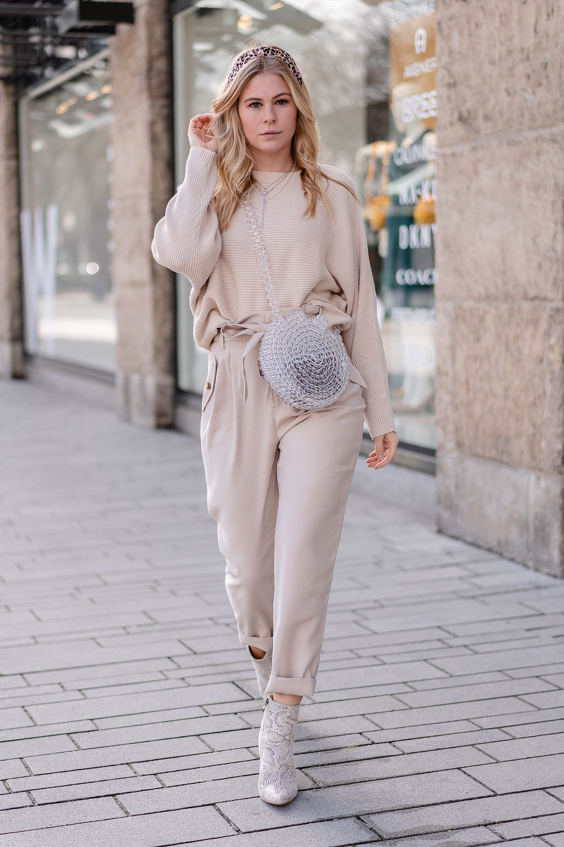 fashion blogger sunnyinga all over beige outfit streetstyle