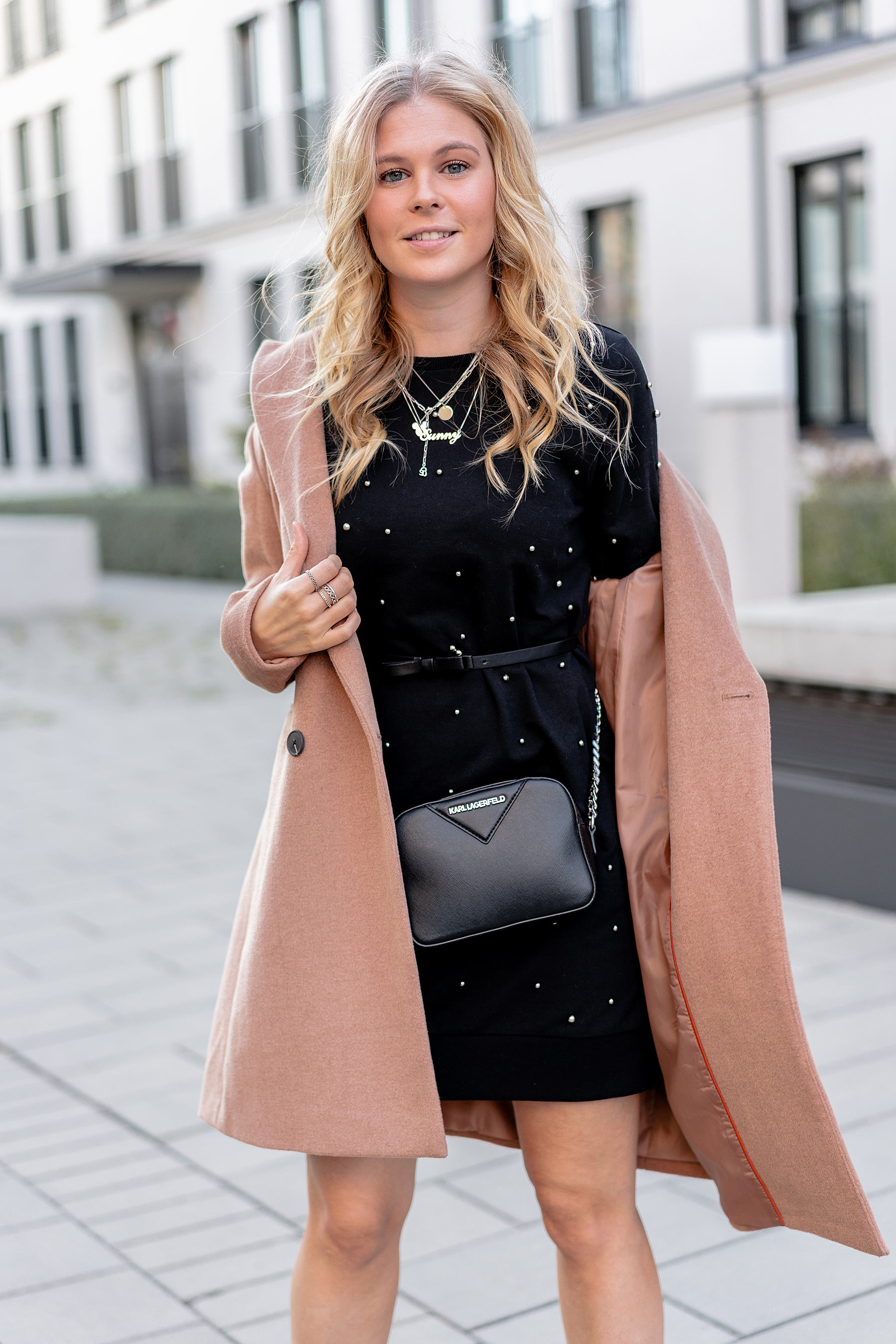 fashion blogger sunnyinga strickkleid camel coat herbst outfit