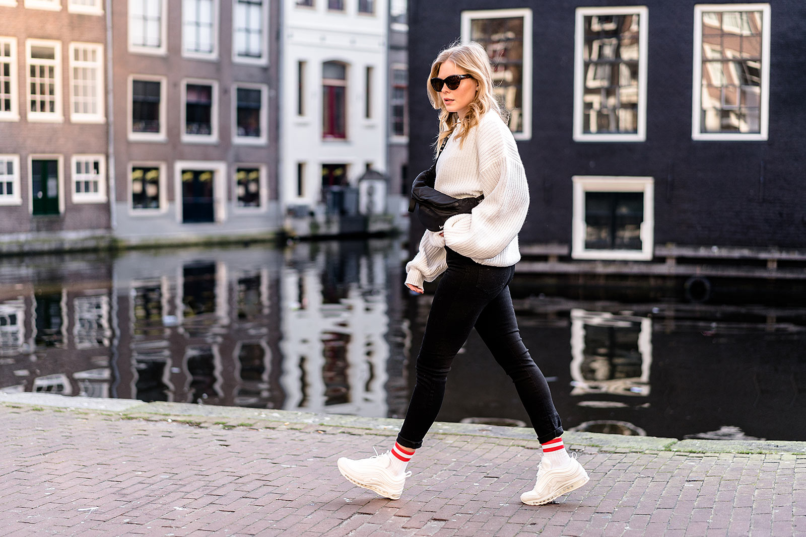fashion blogger ugly sneakers outfit amsterdam sunnyinga