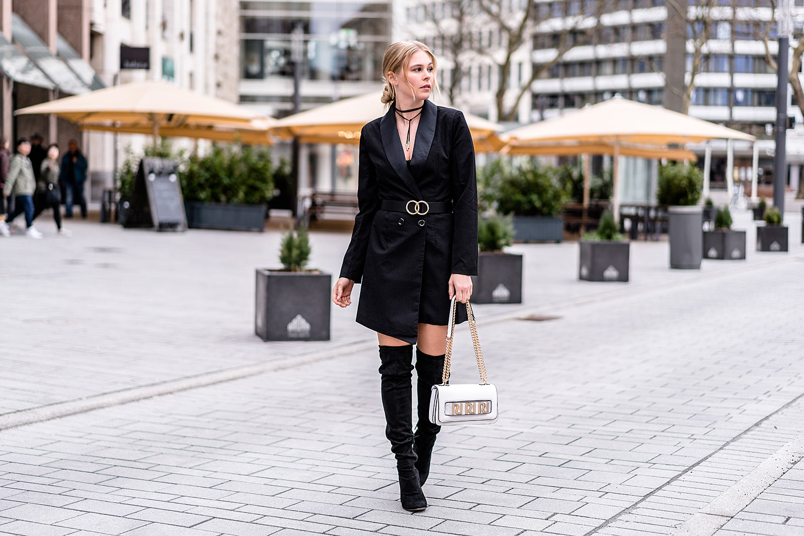 Interesting Fashion Blogger Sunnyinga Blazerkleid Streetstyle Outfit Schwarz  With Sthle Schwarz