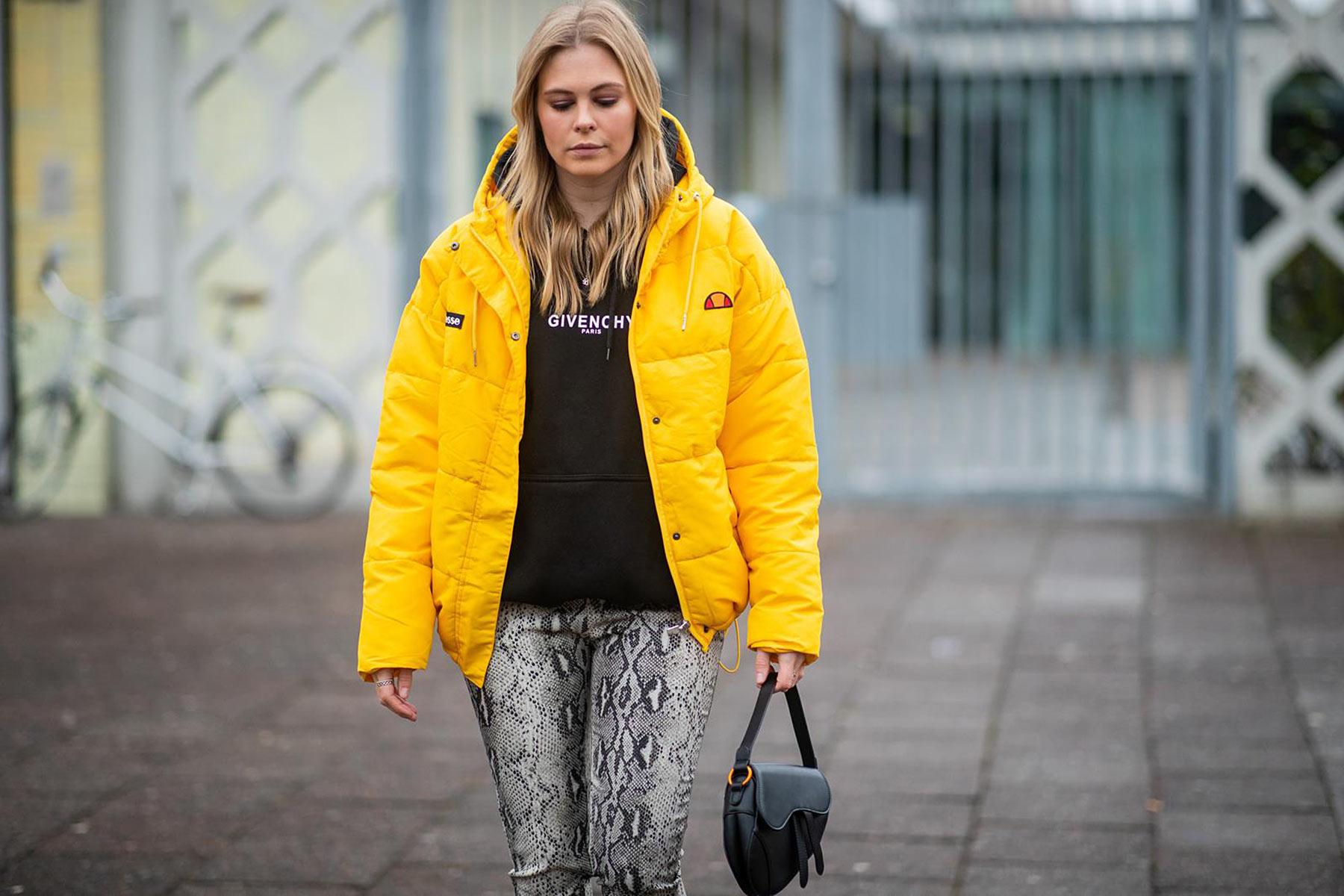 gelbe daunenjacke ellesse outfit modeblog sunnyinga