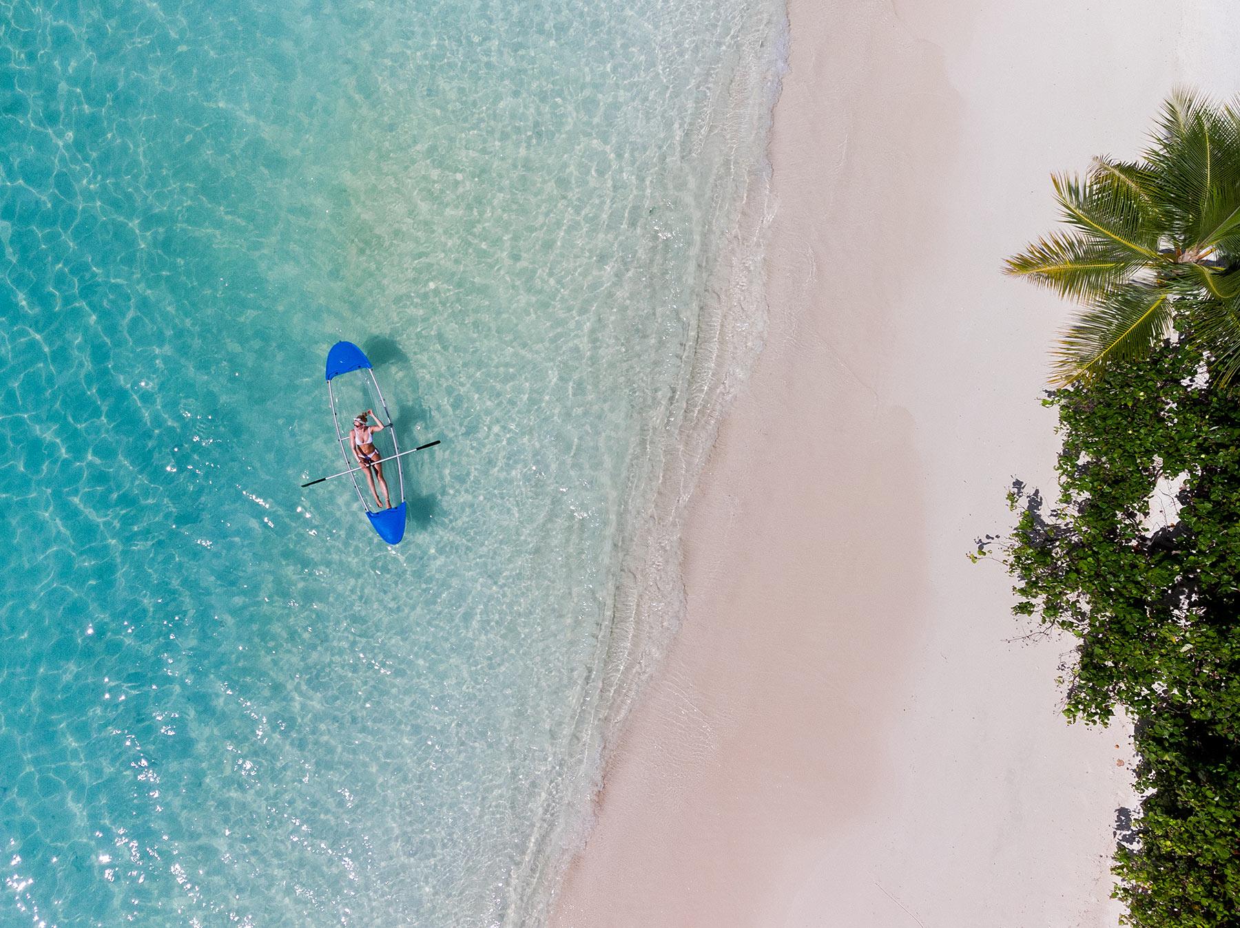 glasboden kajak malediven dhigali travel blog sunnyinga