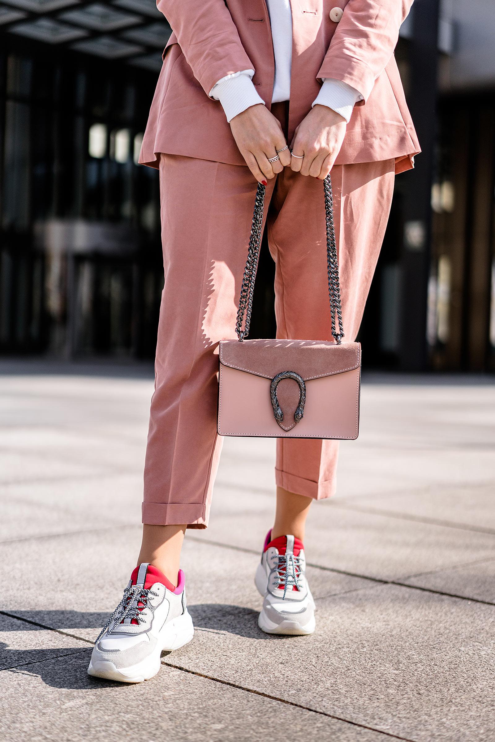 hosenanzug outfit sneaker streetstyle casual modeblog sunnyinga