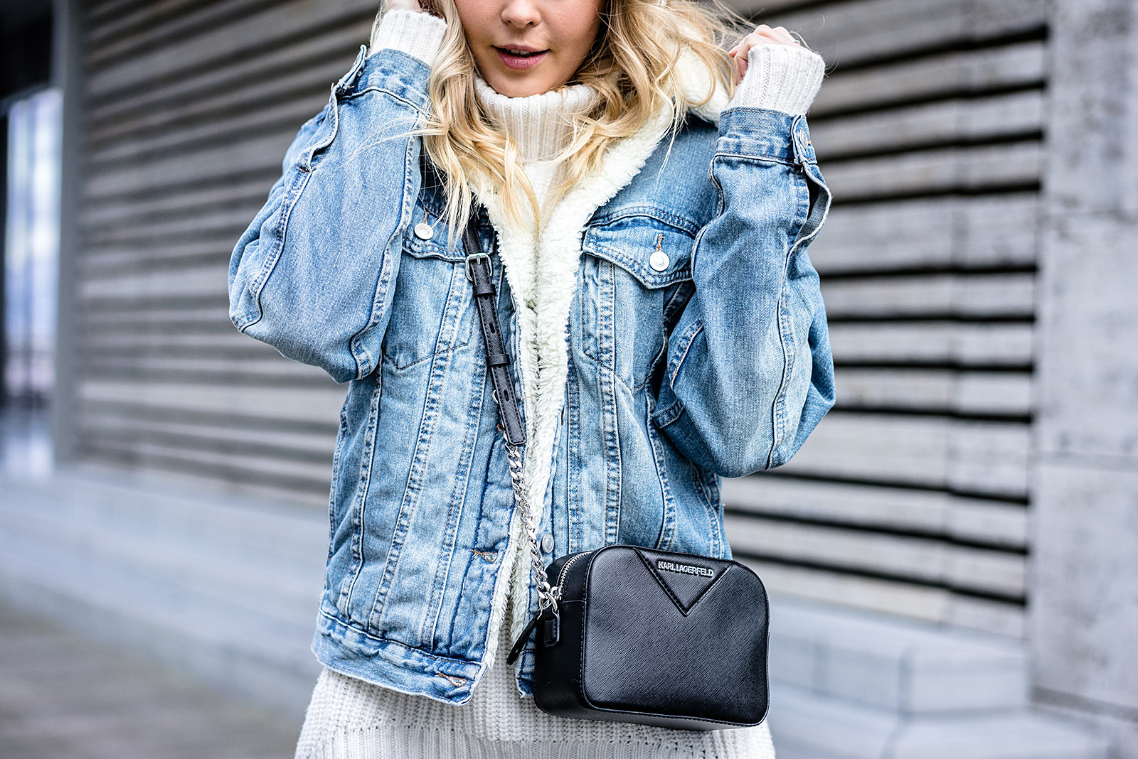jeansjacke mit fell mein winter outfit fashion blog. Black Bedroom Furniture Sets. Home Design Ideas