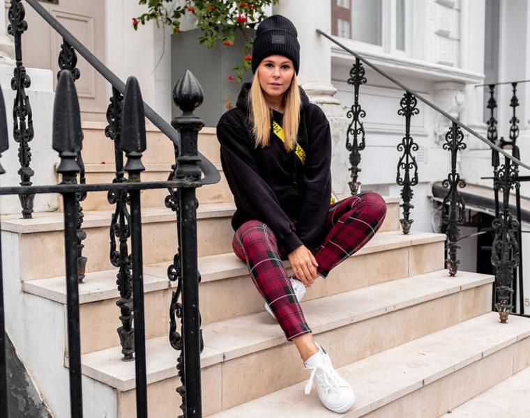karierte hose outfit fashion blogger london notting hill sunnyinga