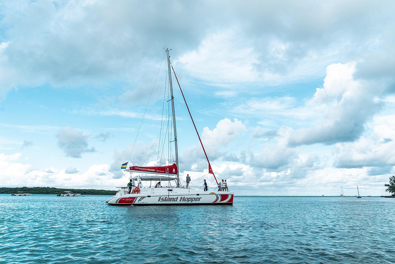katamaran tour mauritius ile aux cerfs travel blog sunnyinga