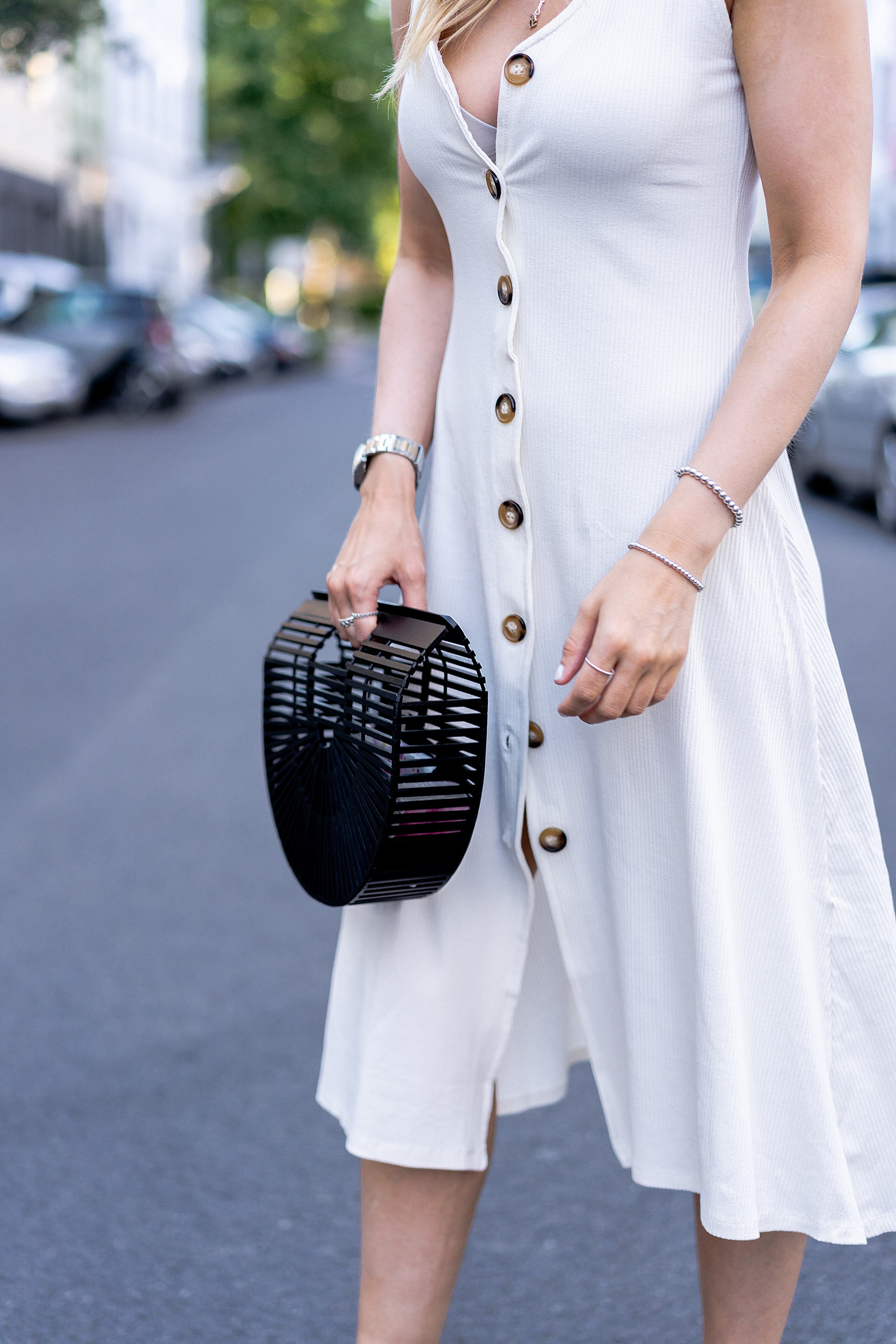 kleid mit knöpfen stradivarius sommer look sunnyinga