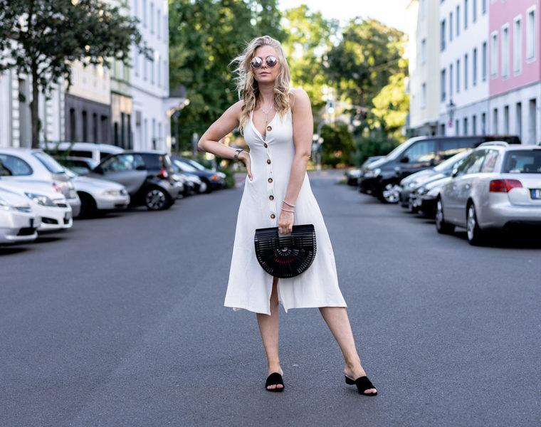 kleid mit knöpfen weiss outfit fashion blogger sunnyinga