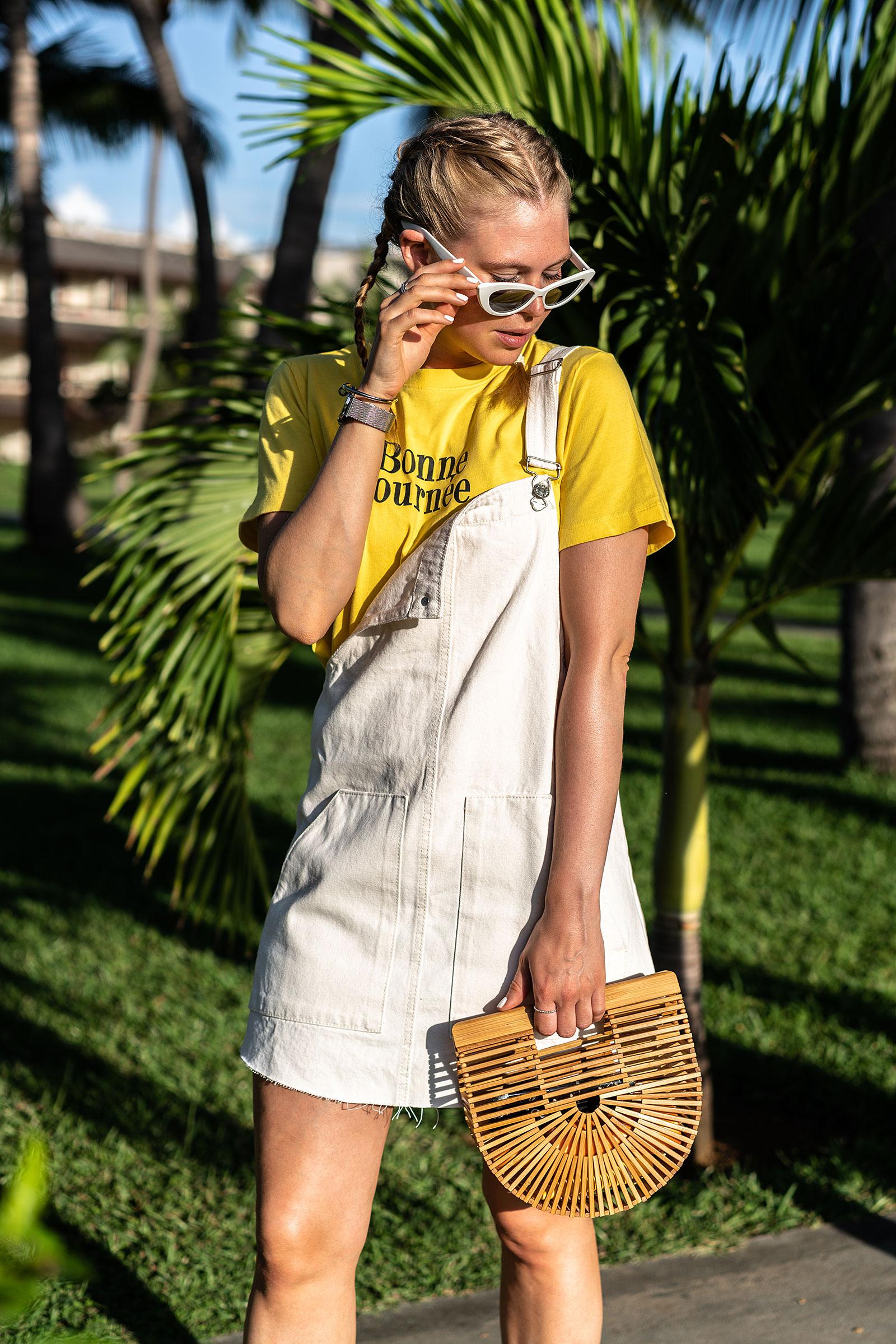 latzkleid weiss outfit sonnebrille cult gaia tasche urlaub fashion blogger sunnyinga