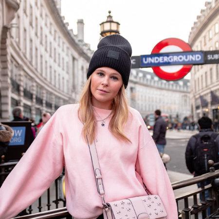 london piccadilly circus fashion blogger sunnyinga